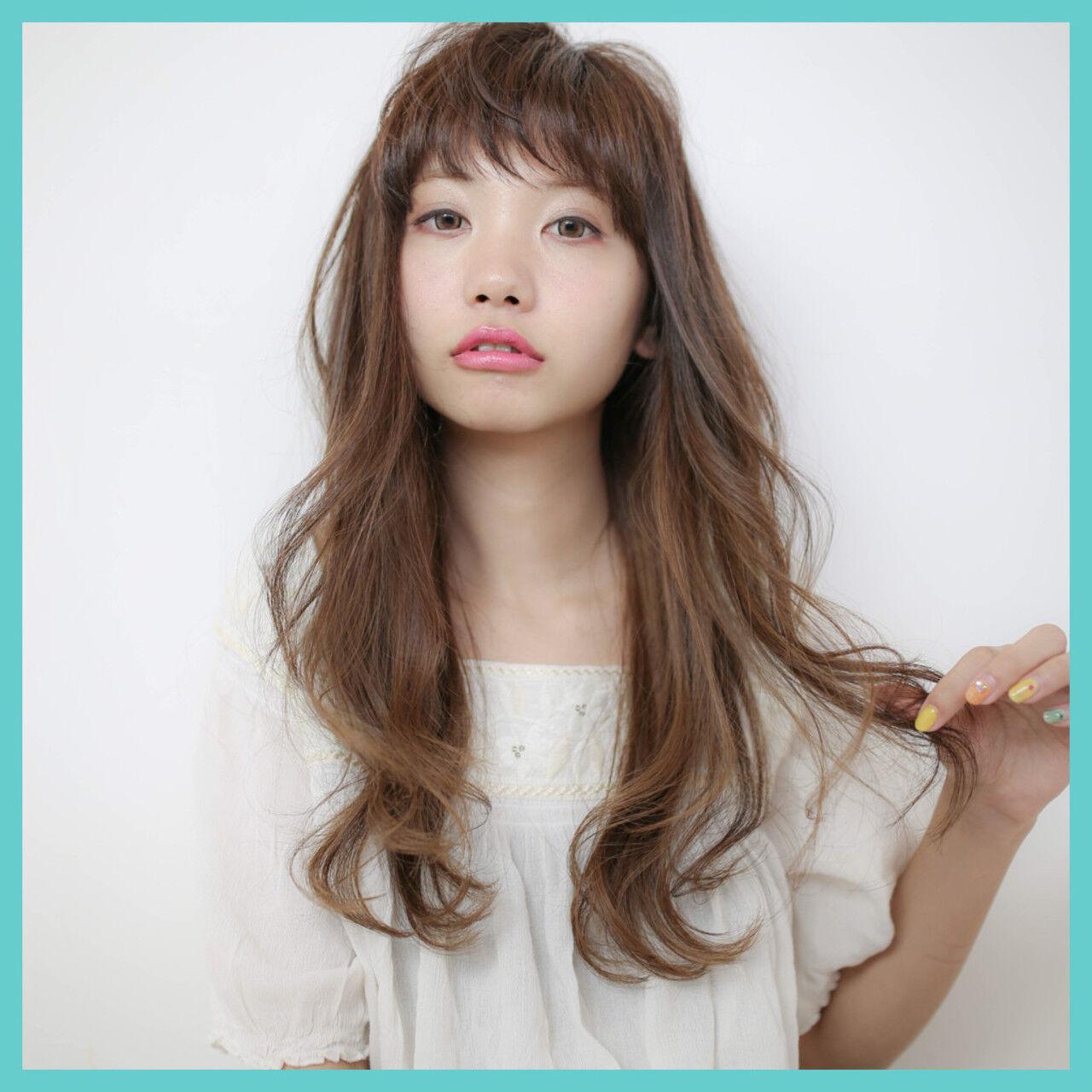 ストレート 大人かわいい ナチュラル 外国人風ヘアスタイルや髪型の写真・画像