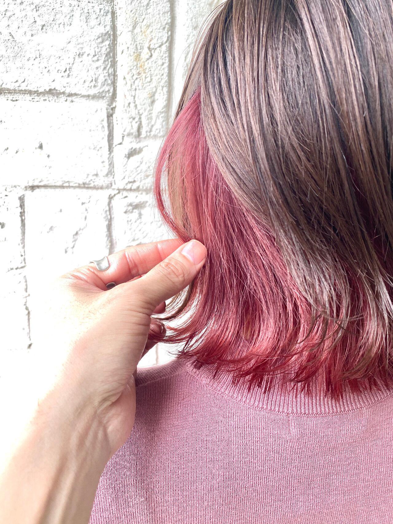ミディアム ガーリー ピンクベージュ ピンクヘアスタイルや髪型の写真・画像
