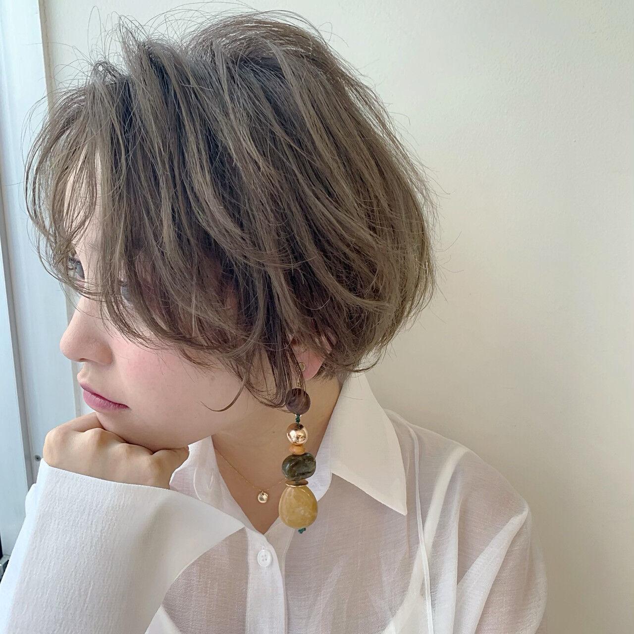 センターパート ナチュラル アンニュイほつれヘア 大人かわいいヘアスタイルや髪型の写真・画像