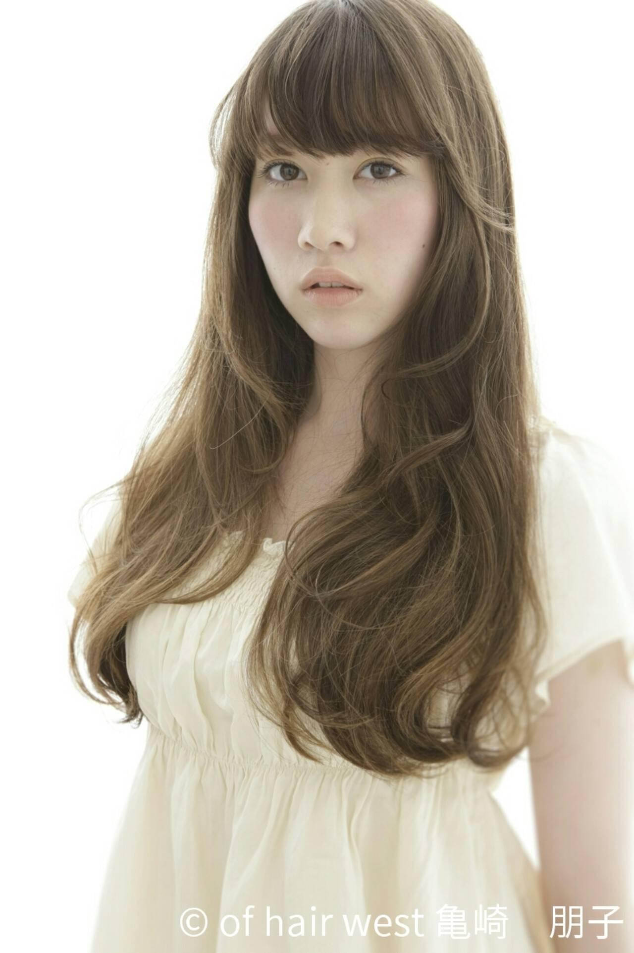 ナチュラル ウェーブ 艶髪 ゆるふわヘアスタイルや髪型の写真・画像