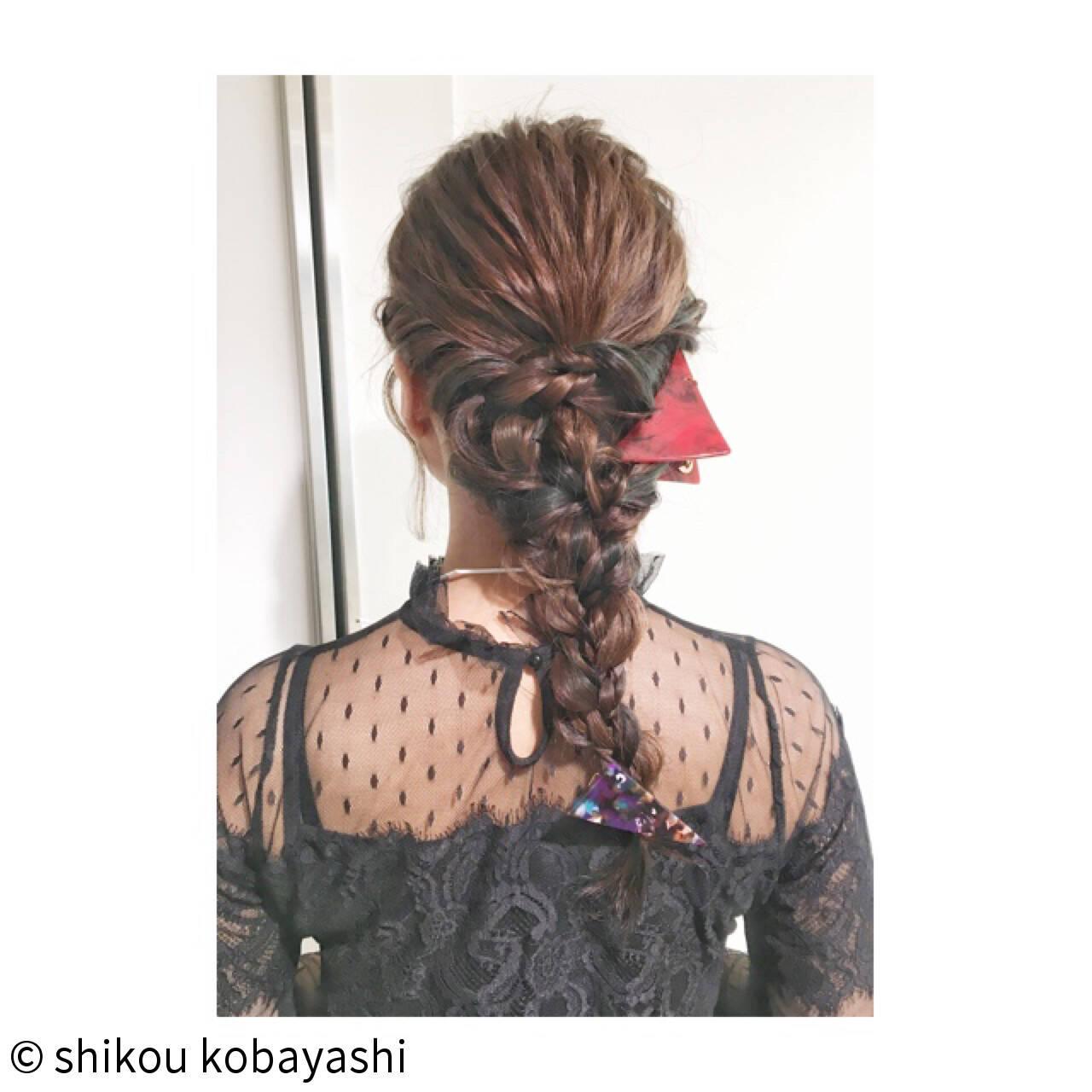 ロング 結婚式 二次会 編み込みヘアスタイルや髪型の写真・画像