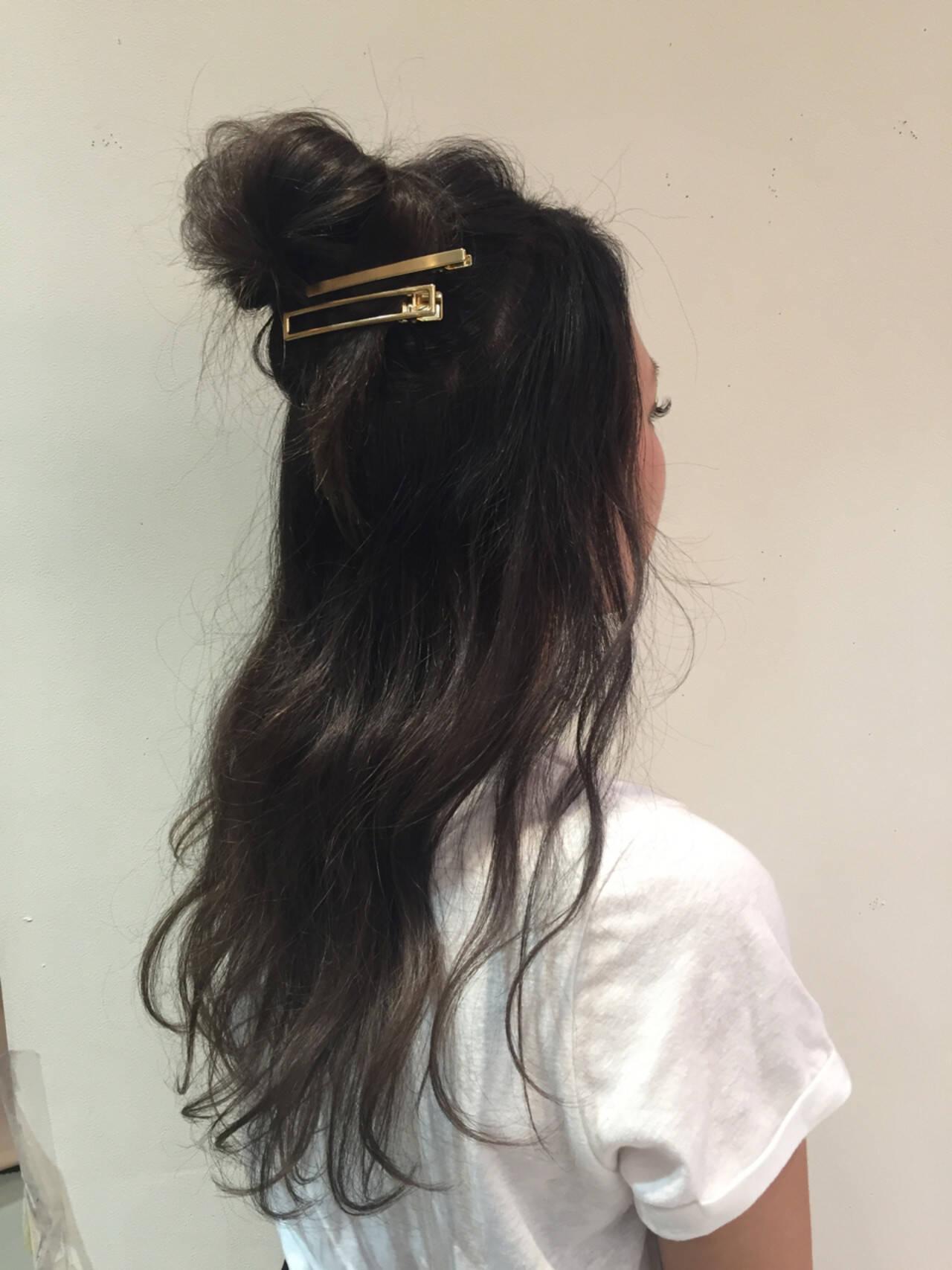 ウェーブ ヘアアレンジ フェミニン デートヘアスタイルや髪型の写真・画像