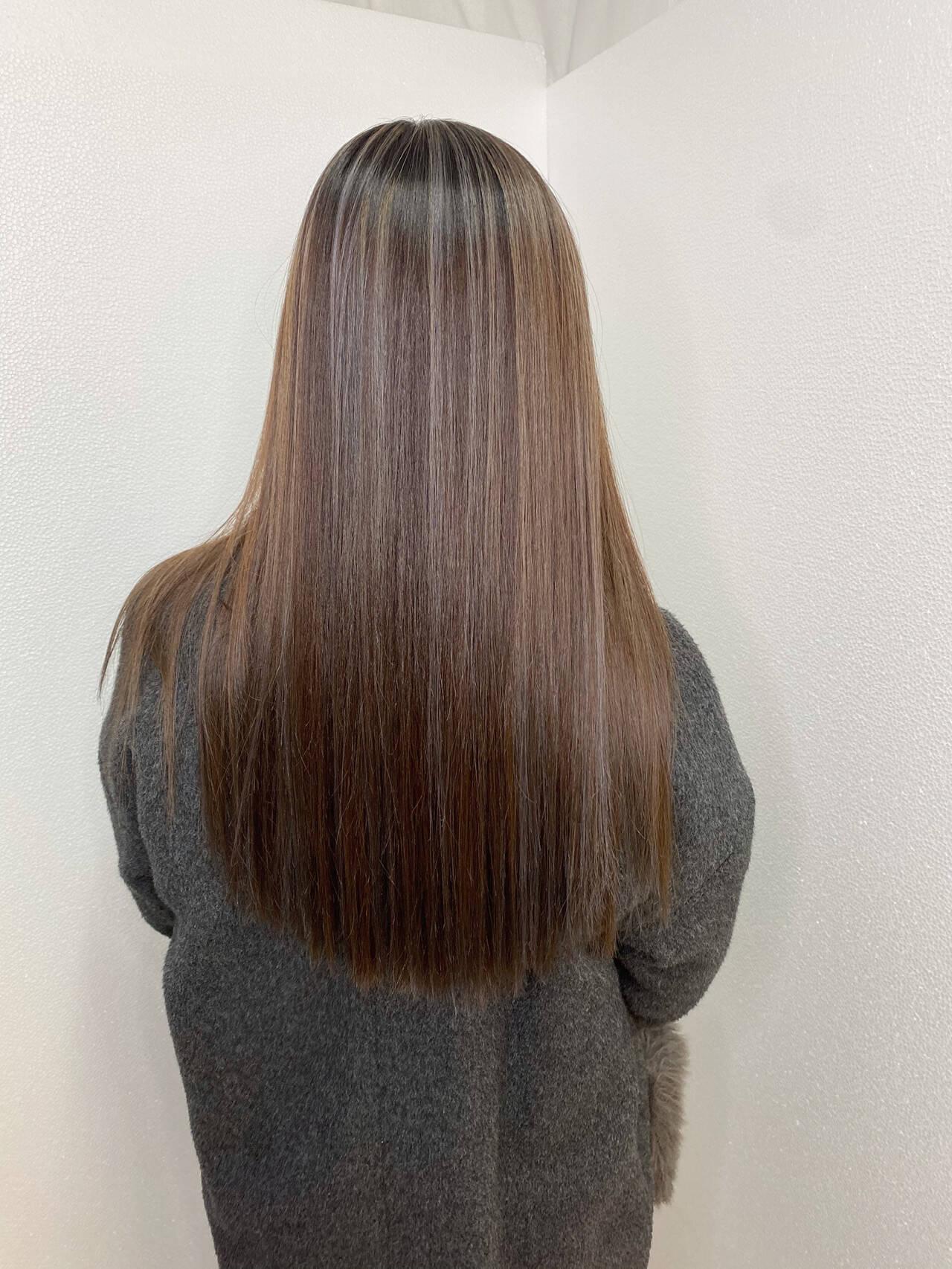 ロング 透明感カラー ハイライト ダブルカラーヘアスタイルや髪型の写真・画像