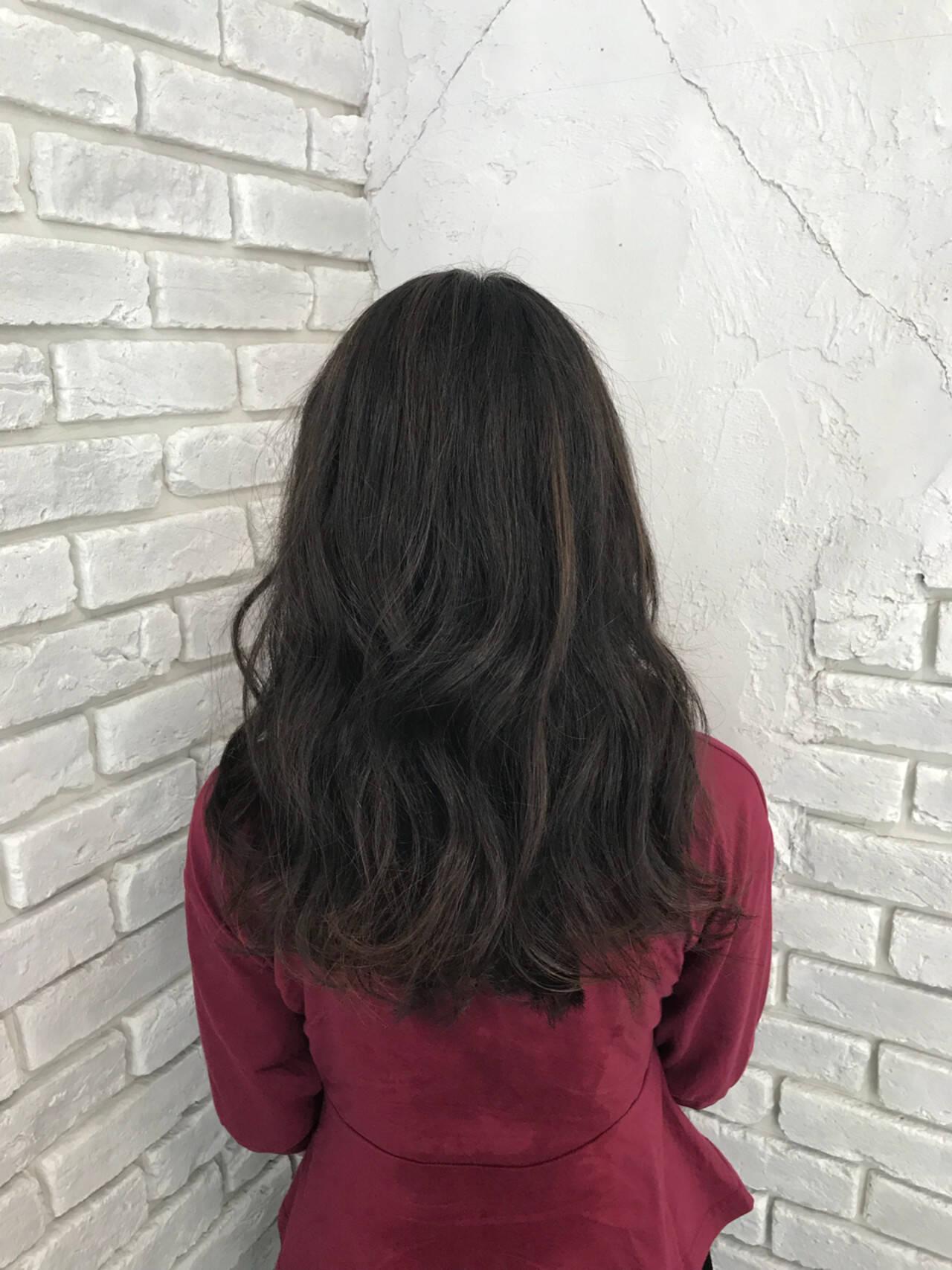 ナチュラル ブリーチなし ハイライト 外国人風カラーヘアスタイルや髪型の写真・画像