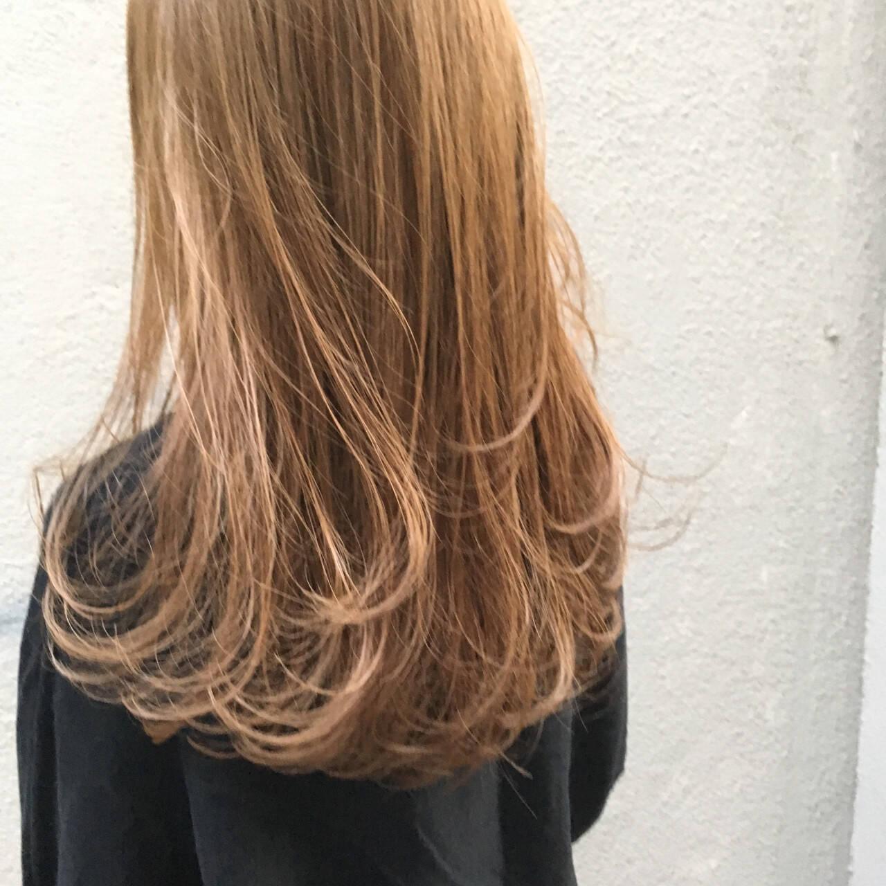 ブリーチ ハイライト ナチュラル ベージュヘアスタイルや髪型の写真・画像