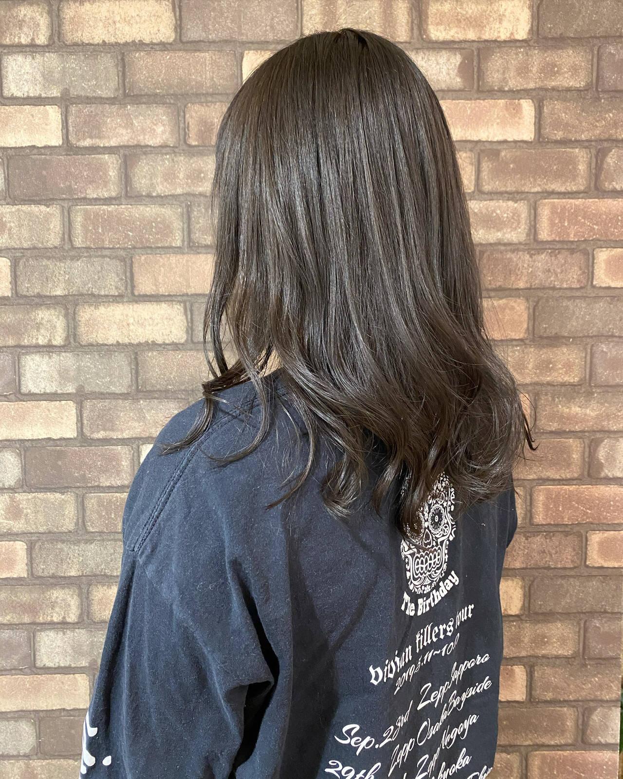 ブルージュ イルミナカラー スロウ 透明感ヘアスタイルや髪型の写真・画像