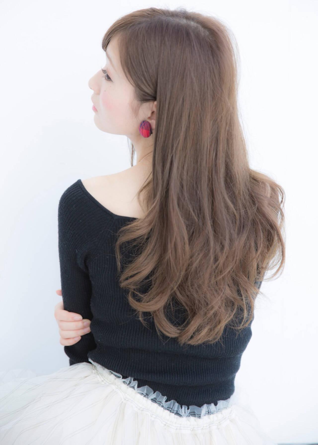ハイトーン 大人かわいい ナチュラル ゆるふわヘアスタイルや髪型の写真・画像