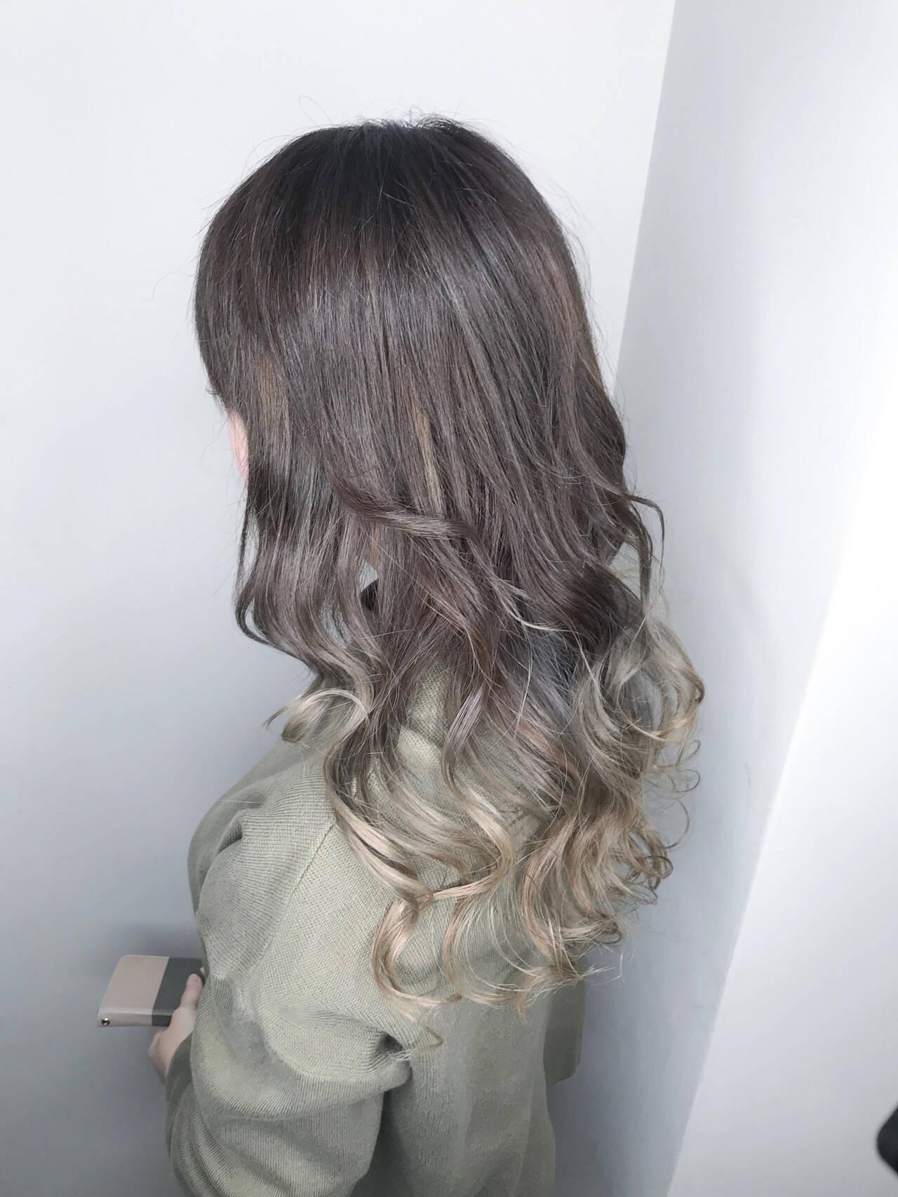 インナーカラー グラデーションカラー ロング ハイライトヘアスタイルや髪型の写真・画像