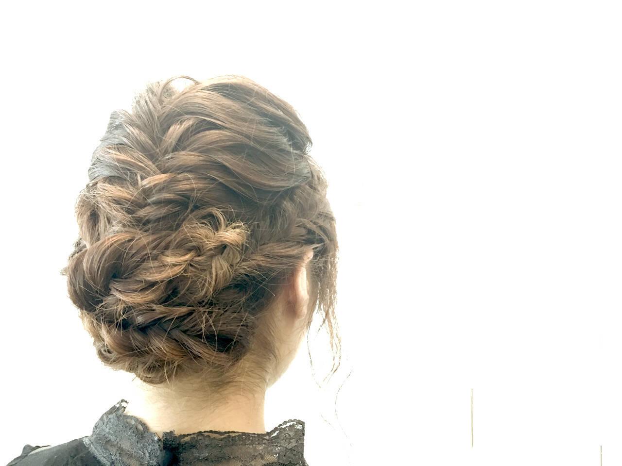 ミディアム ショート フェミニン ヘアアレンジヘアスタイルや髪型の写真・画像