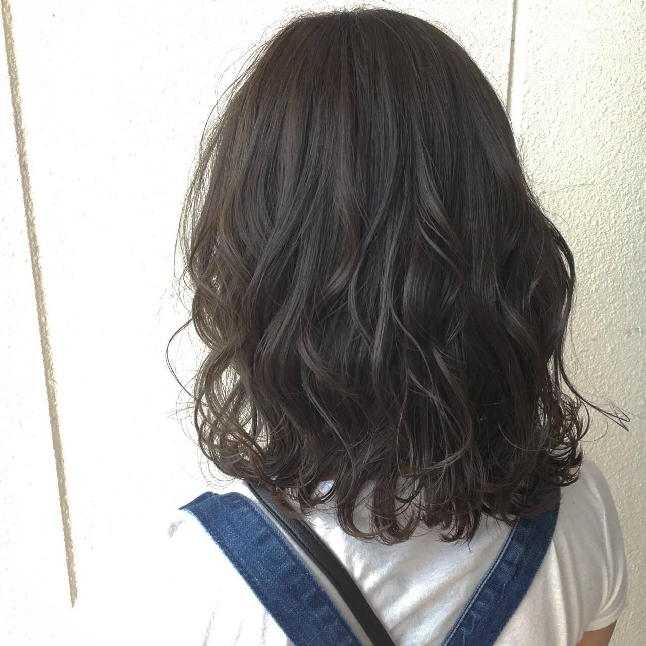 ミディアム ニュアンス 外国人風 フェミニンヘアスタイルや髪型の写真・画像
