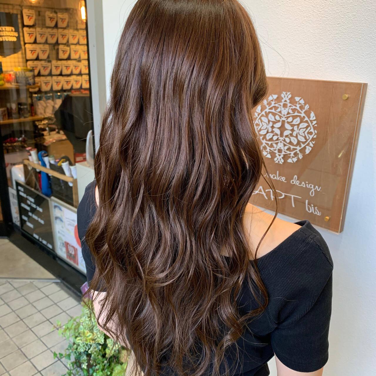 ココアブラウン ココアベージュ ロング フェミニンヘアスタイルや髪型の写真・画像