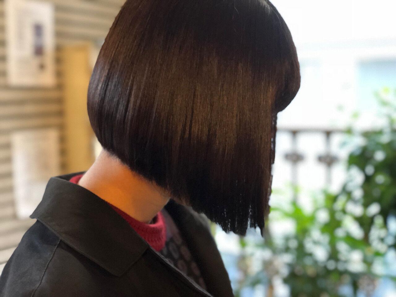 オフィス 黒髪 ボブ ナチュラルヘアスタイルや髪型の写真・画像