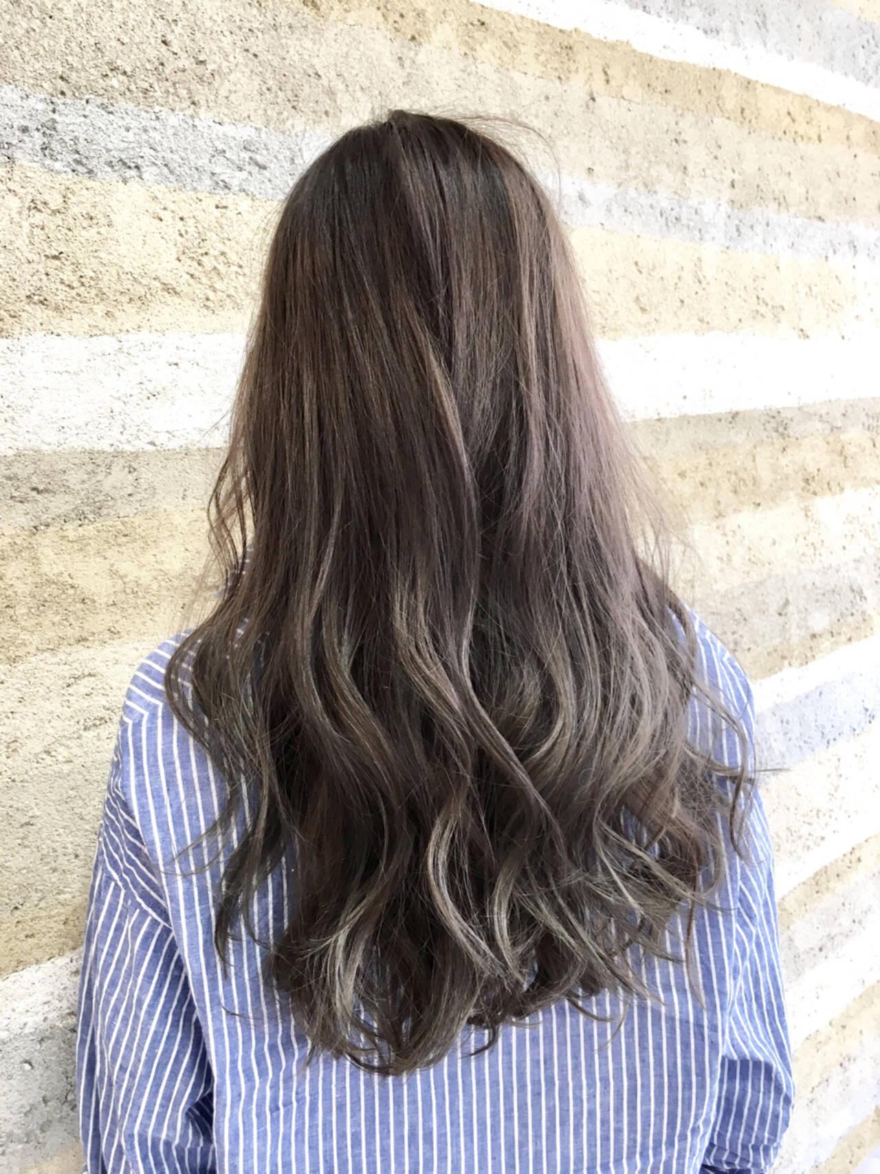 グラデーションカラー ロング アンニュイ ハイライトヘアスタイルや髪型の写真・画像