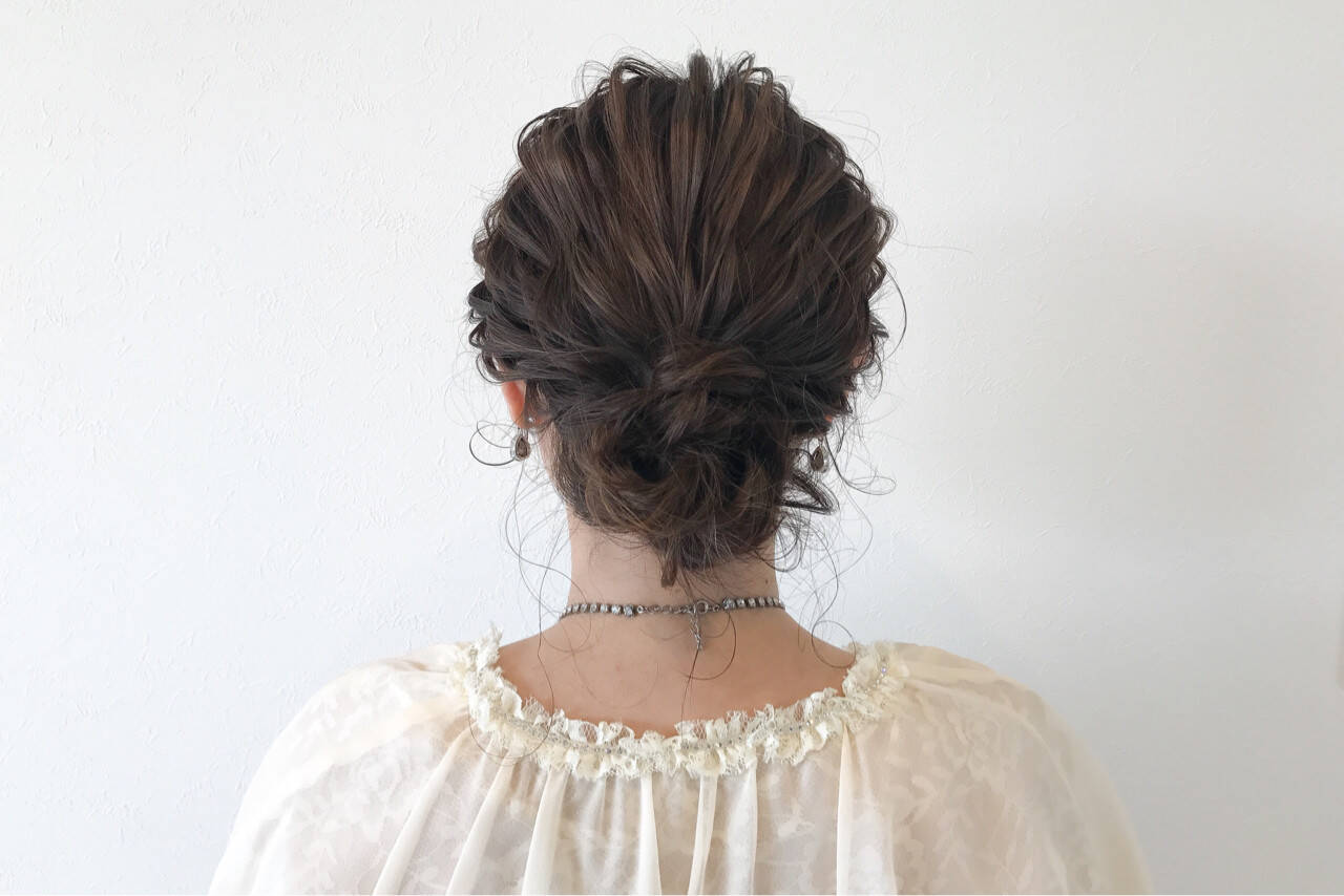 ナチュラル 結婚式 ヘアアレンジ シニヨンヘアスタイルや髪型の写真・画像