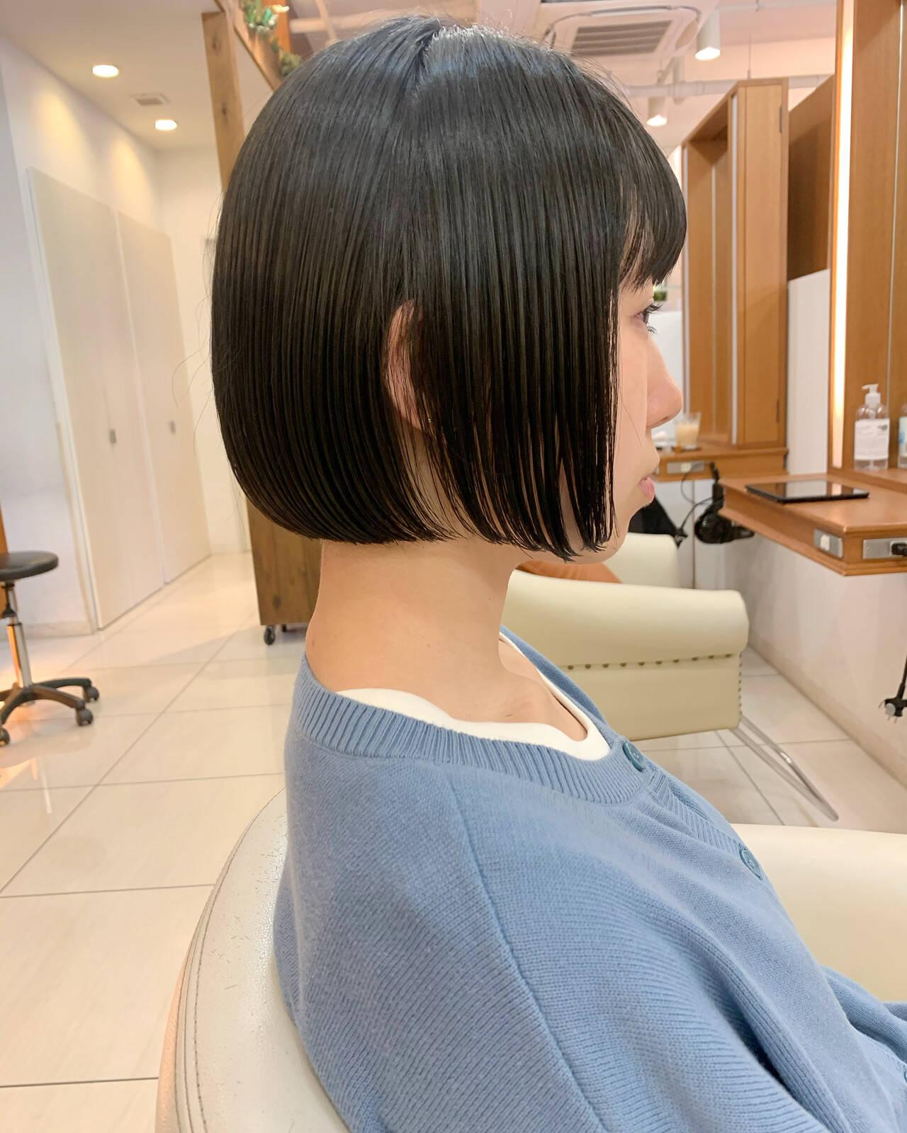 ミニボブ ショート ナチュラル まとまるボブヘアスタイルや髪型の写真・画像