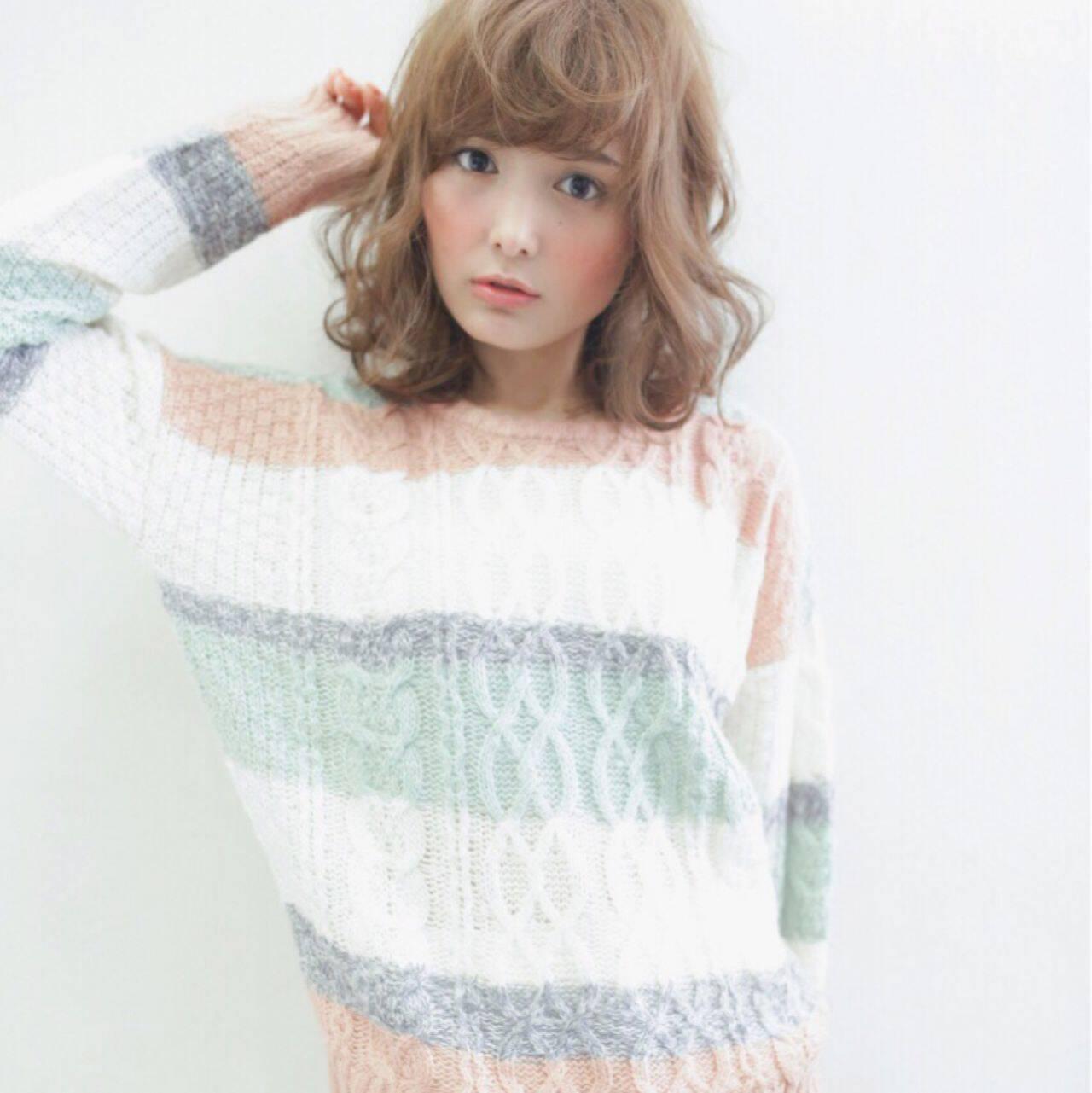 フェミニン モテ髪 ミディアム コンサバヘアスタイルや髪型の写真・画像