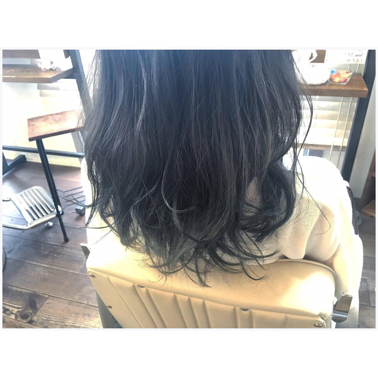 ストリート ネイビー マット モードヘアスタイルや髪型の写真・画像