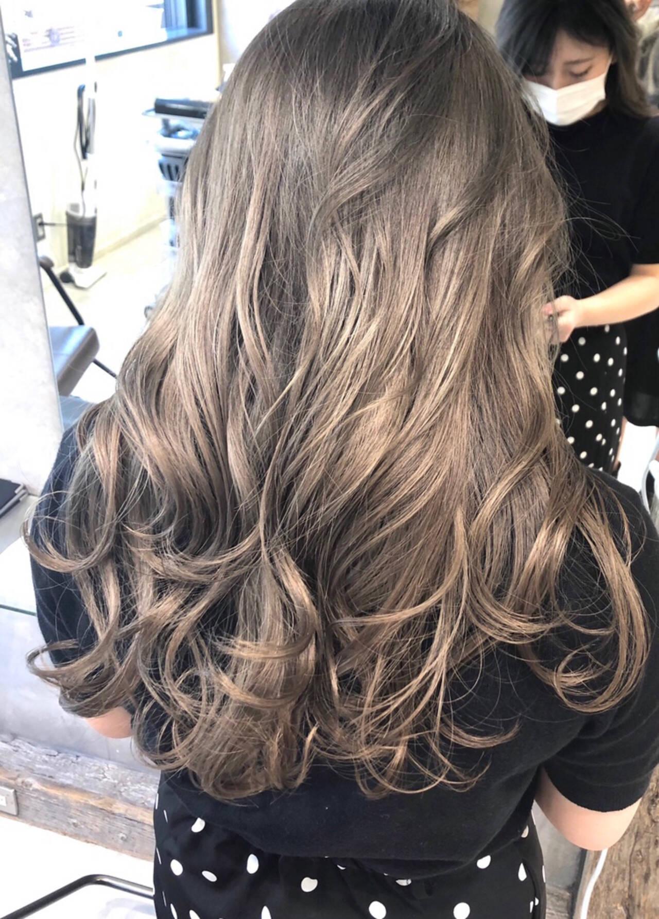 ロング ハイライト ストリート バレイヤージュヘアスタイルや髪型の写真・画像