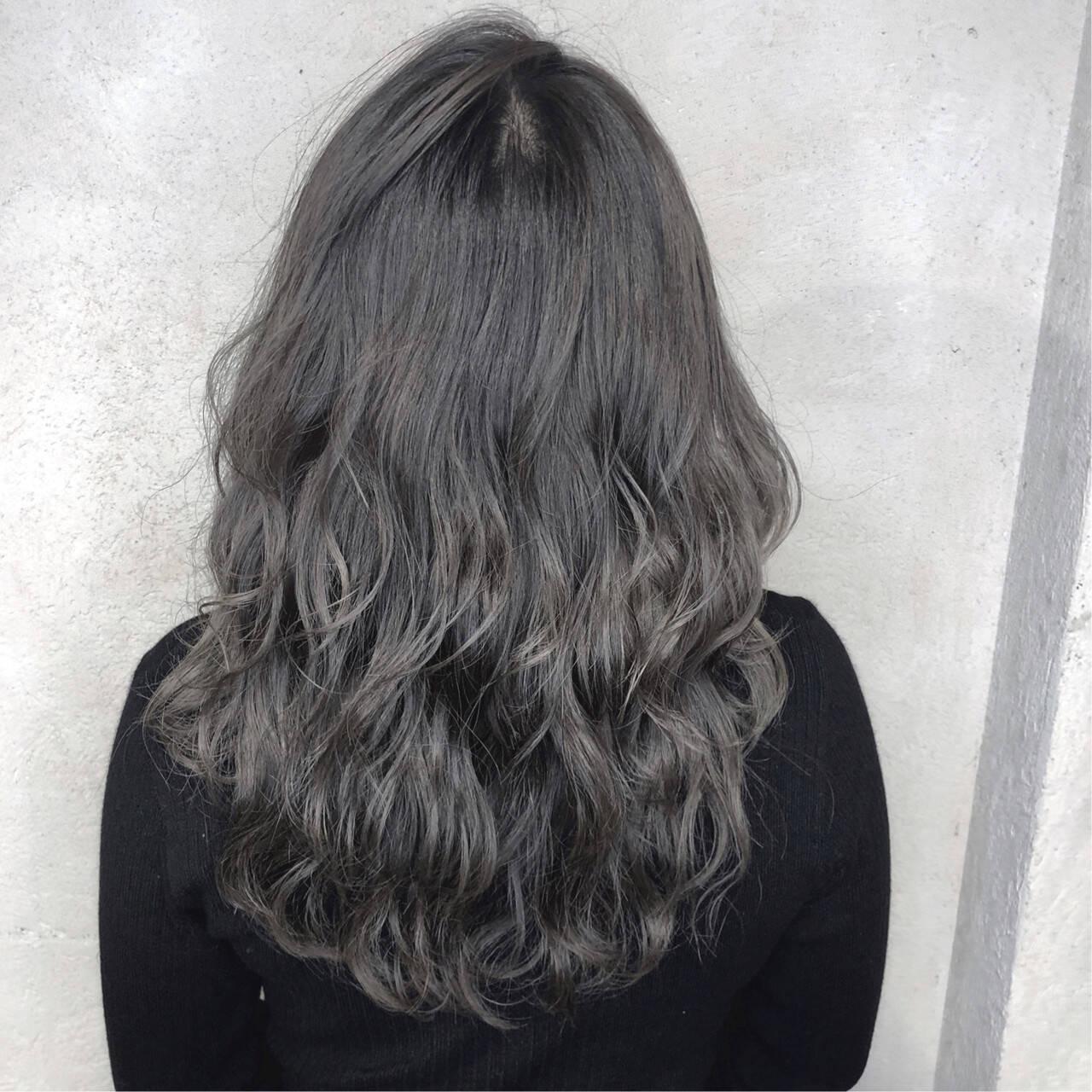 グレージュ ナチュラル アッシュ 透明感カラーヘアスタイルや髪型の写真・画像