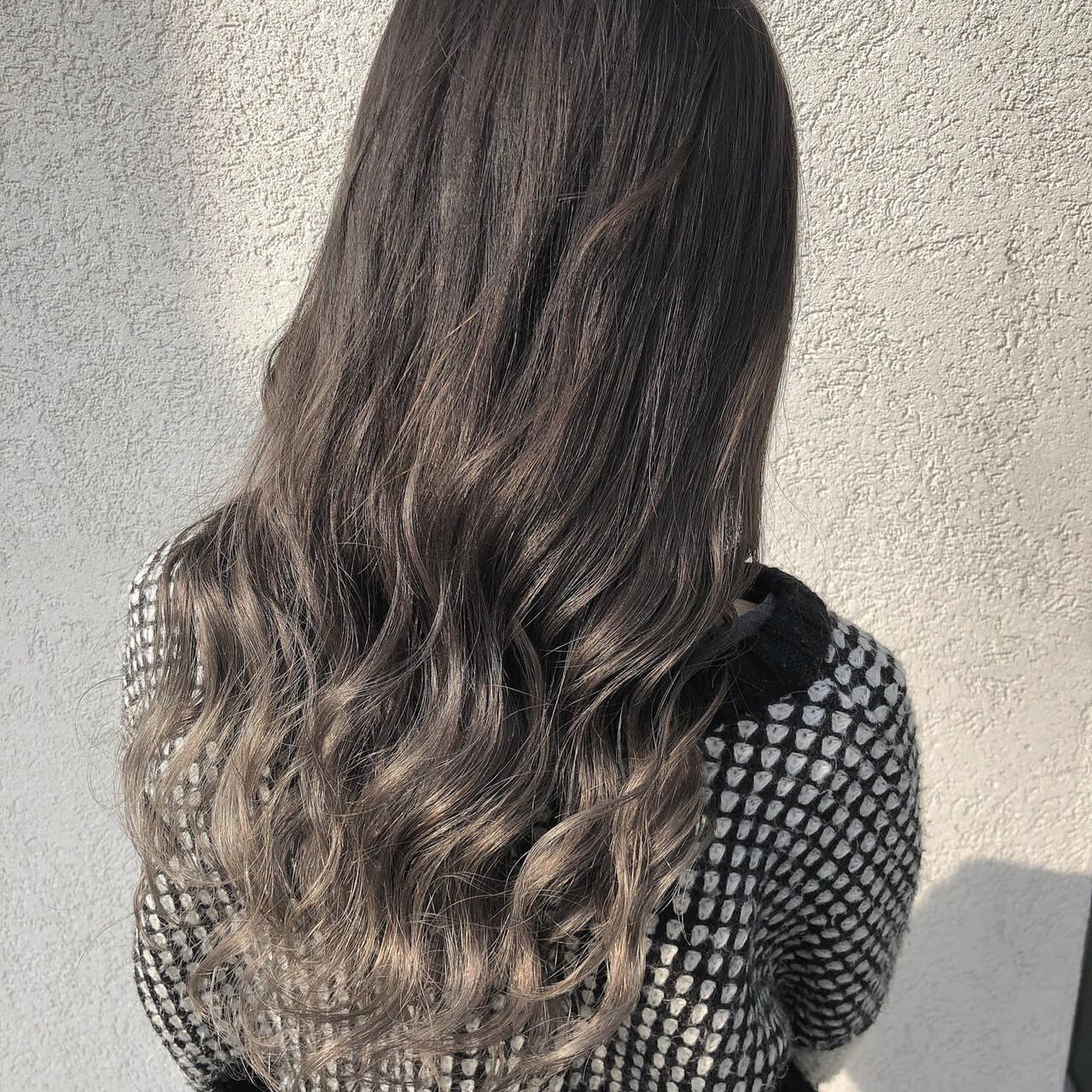 ストリート ホワイトグラデーション グラデーションカラー ミルクティーグレージュヘアスタイルや髪型の写真・画像