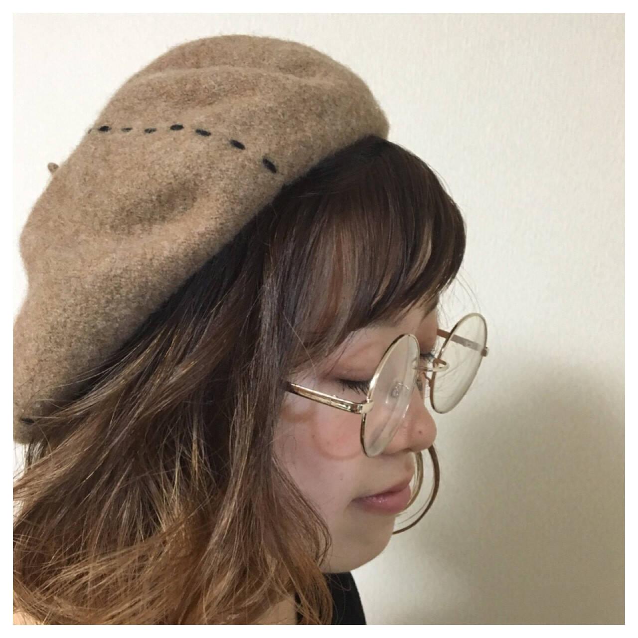 ヘアアレンジ ベレー帽 ナチュラル グラデーションカラーヘアスタイルや髪型の写真・画像