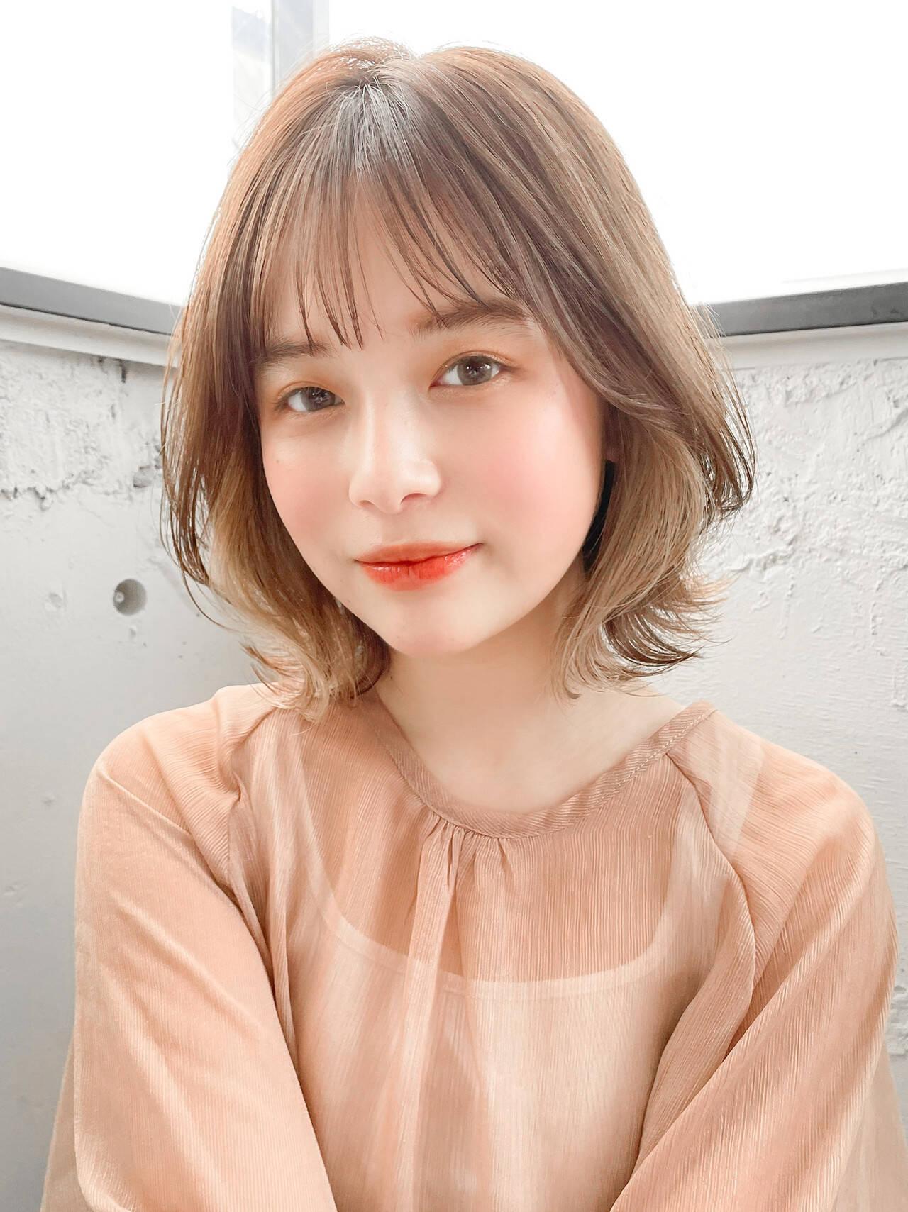インナーカラー くびれボブ 透明感カラー ナチュラルヘアスタイルや髪型の写真・画像