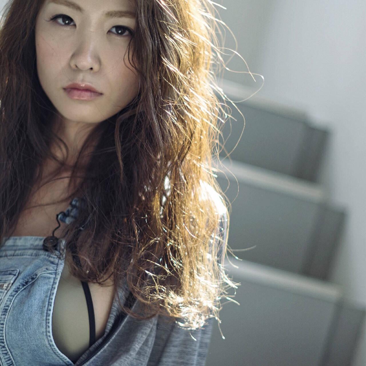無造作 外国人風 大人女子 パーマヘアスタイルや髪型の写真・画像