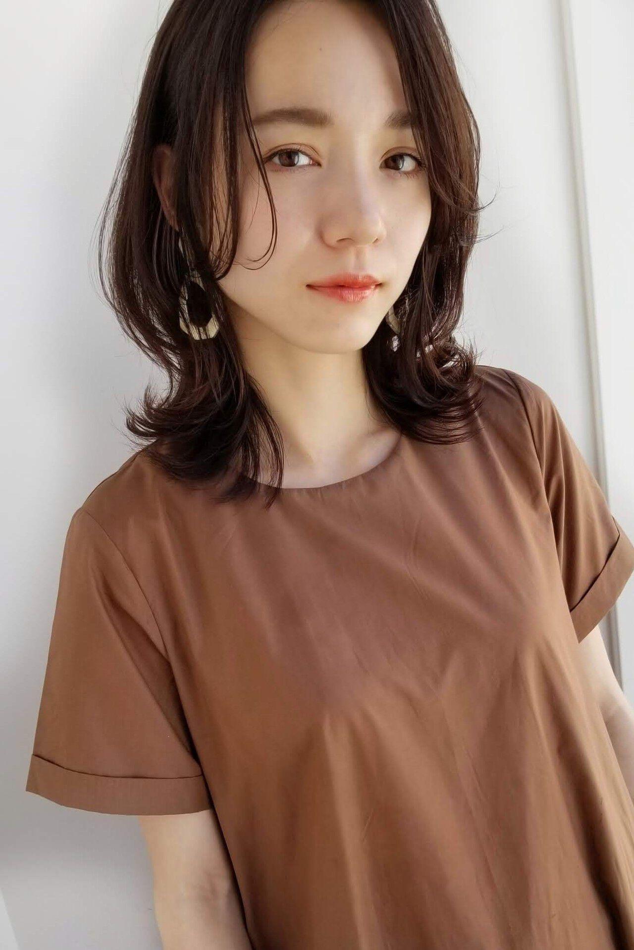 セミロング 前髪なし レイヤーカット アンニュイほつれヘアヘアスタイルや髪型の写真・画像
