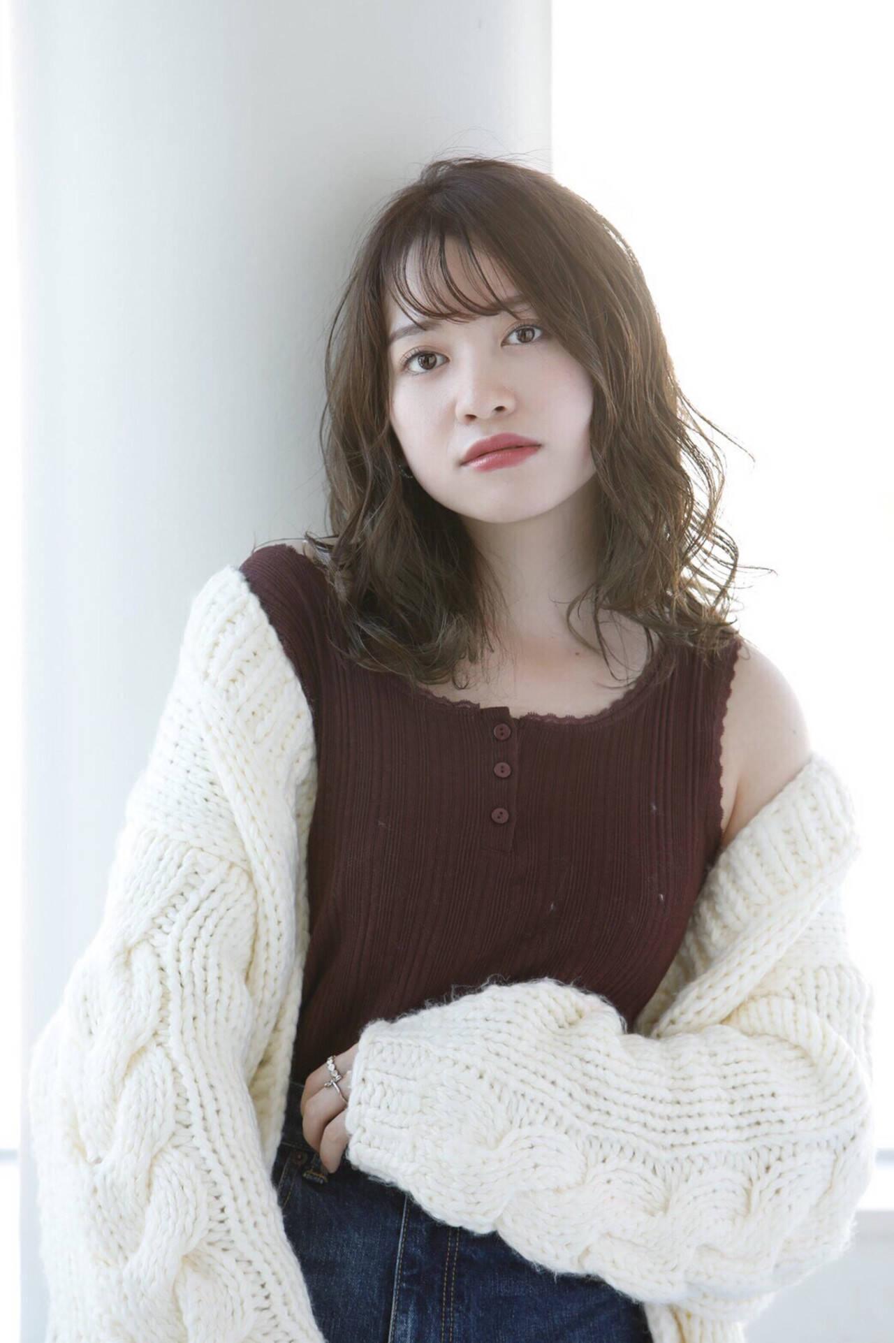透明感カラー 韓国ヘア 巻き髪 外国人風カラーヘアスタイルや髪型の写真・画像