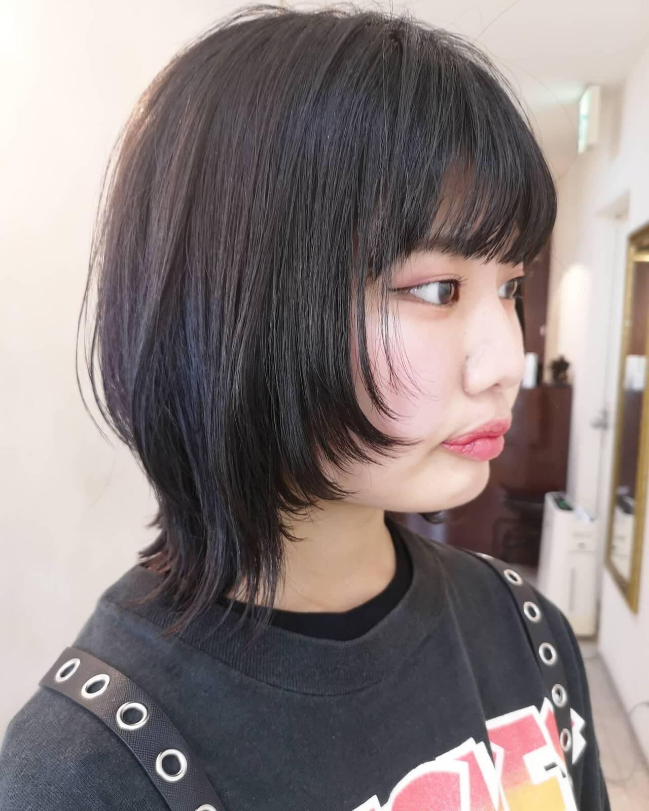 ミディアム ウルフレイヤー ウルフ ウルフカットヘアスタイルや髪型の写真・画像