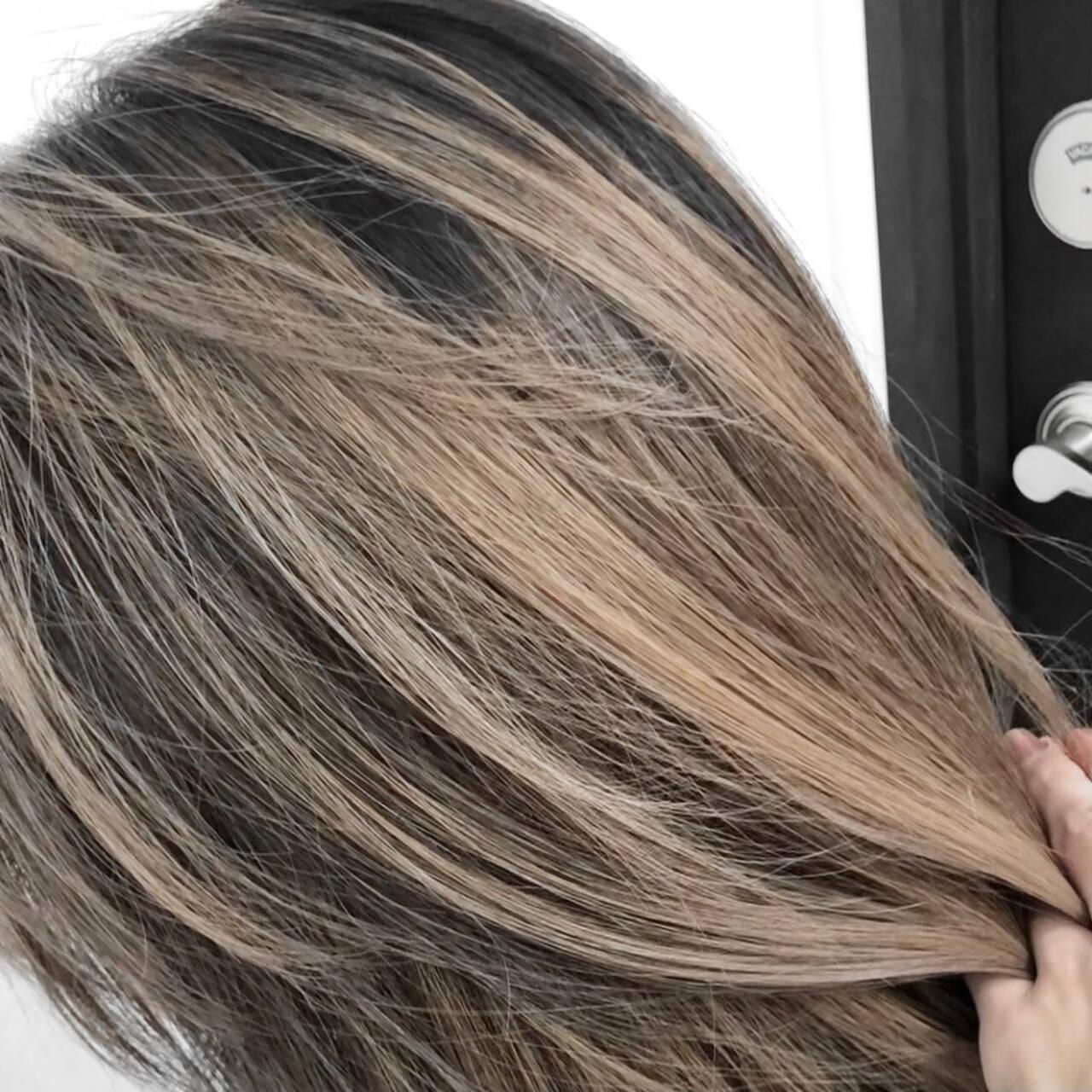 3Dハイライト 外国人風カラー ベージュ ロングヘアスタイルや髪型の写真・画像