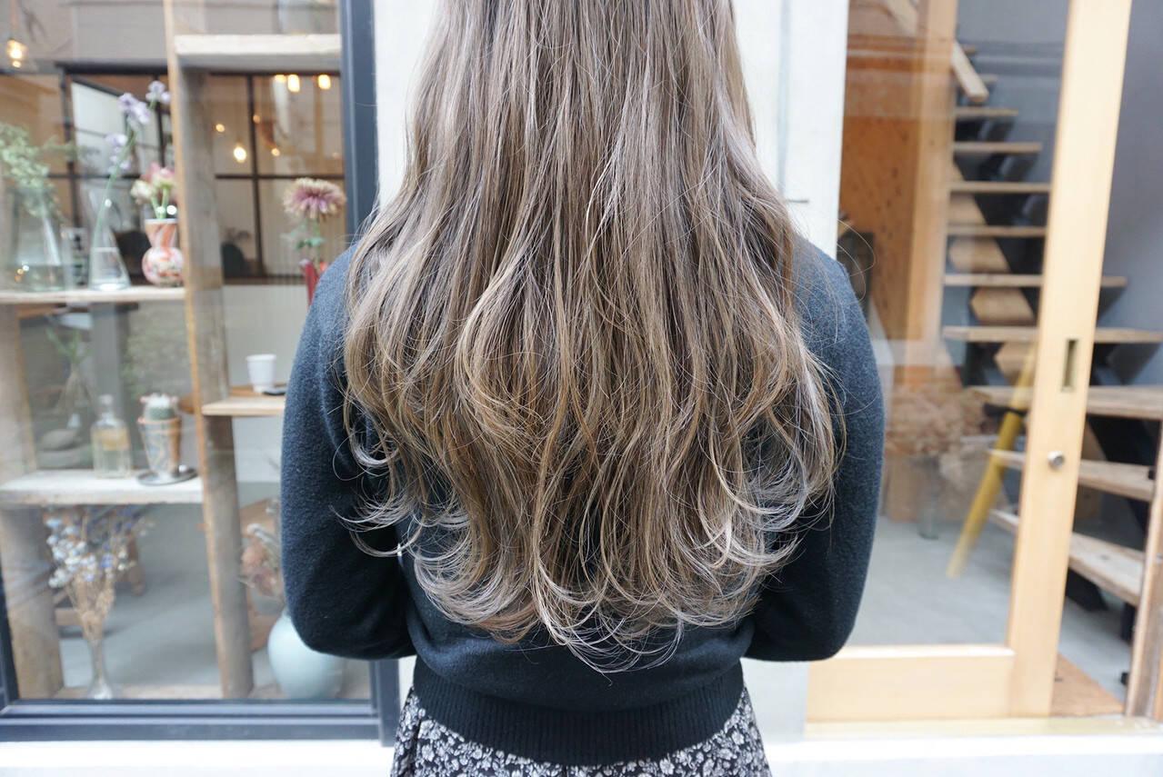 透明感カラー グレージュ アンニュイほつれヘア ヘアアレンジヘアスタイルや髪型の写真・画像