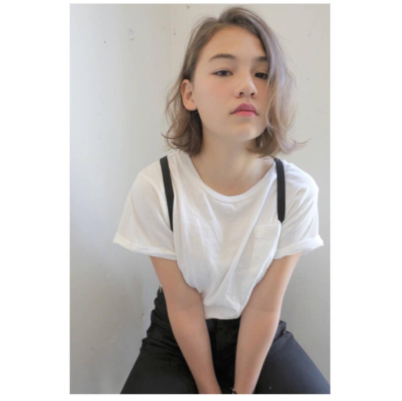 アッシュ 抜け感 パーマ ガーリーヘアスタイルや髪型の写真・画像