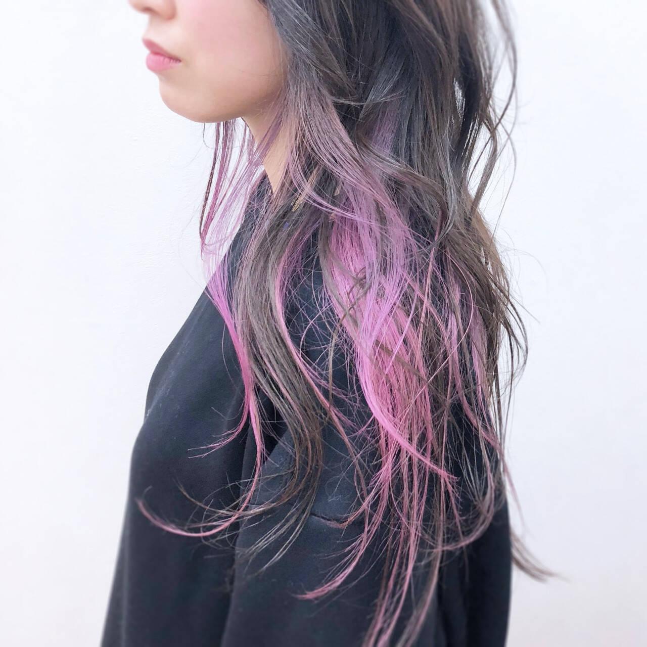 ピンク 透明感 インナーカラー ロングヘアスタイルや髪型の写真・画像