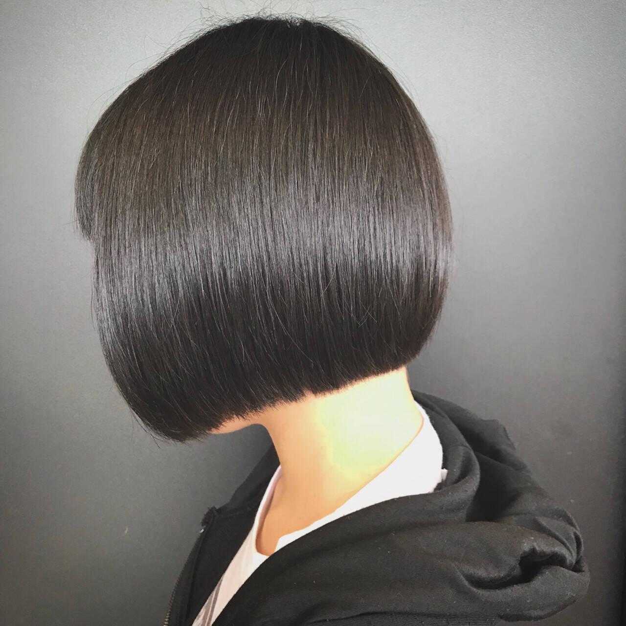 オフィス 前下がり 大人女子 ボブヘアスタイルや髪型の写真・画像