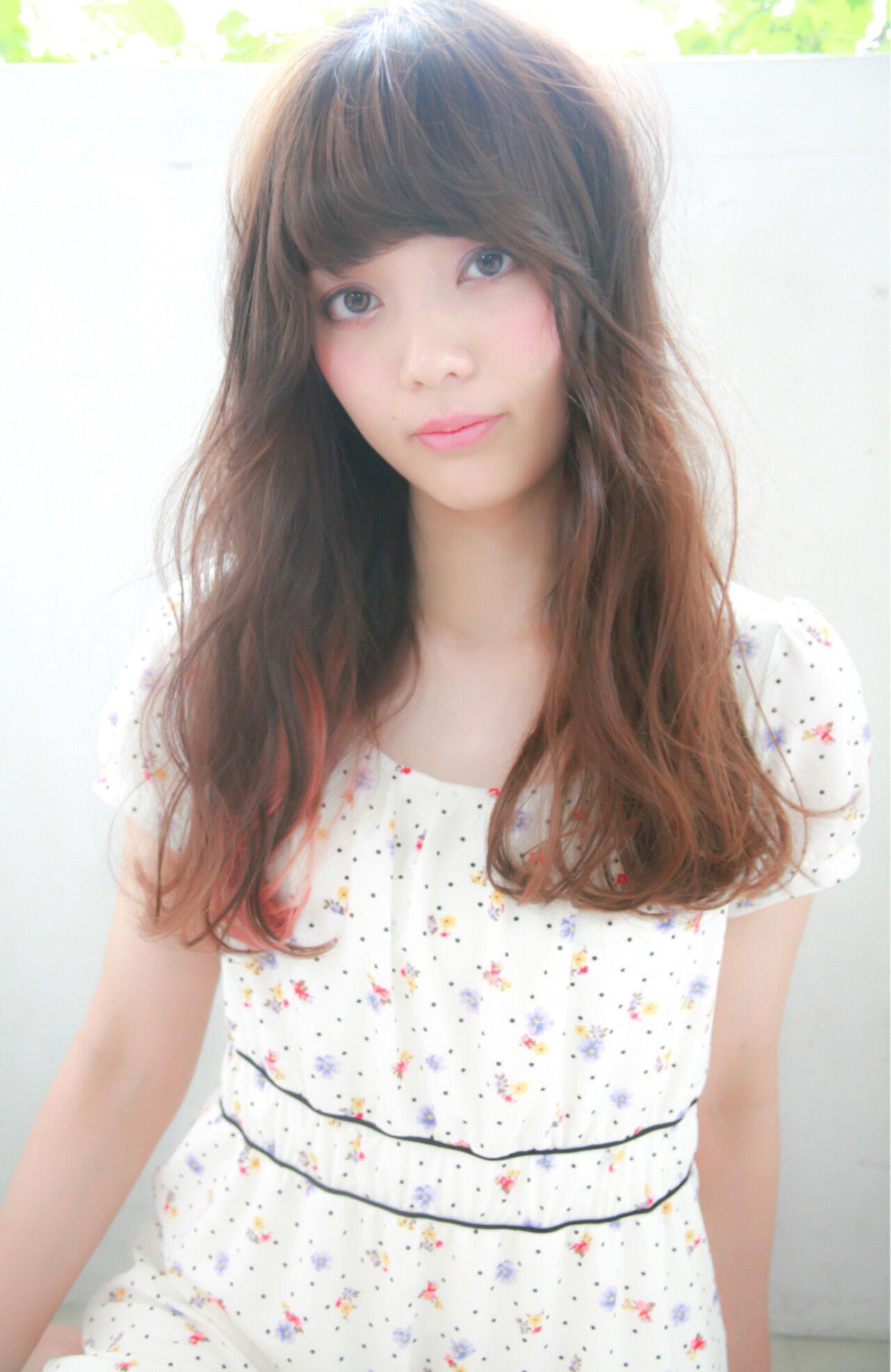 外国人風 セミロング ゆるふわ ハイライトヘアスタイルや髪型の写真・画像