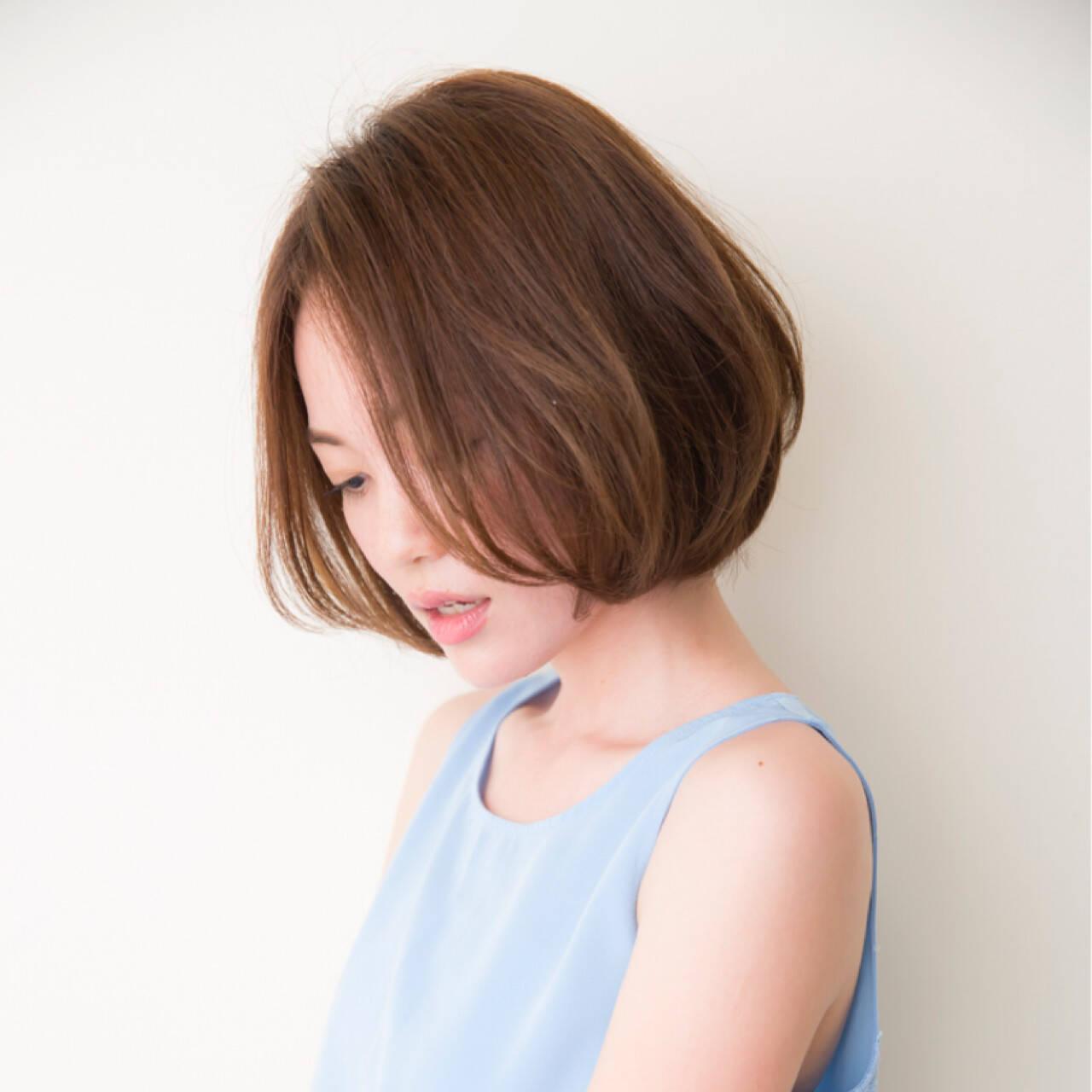 フリンジバング 簡単ヘアアレンジ ボブ パーマヘアスタイルや髪型の写真・画像