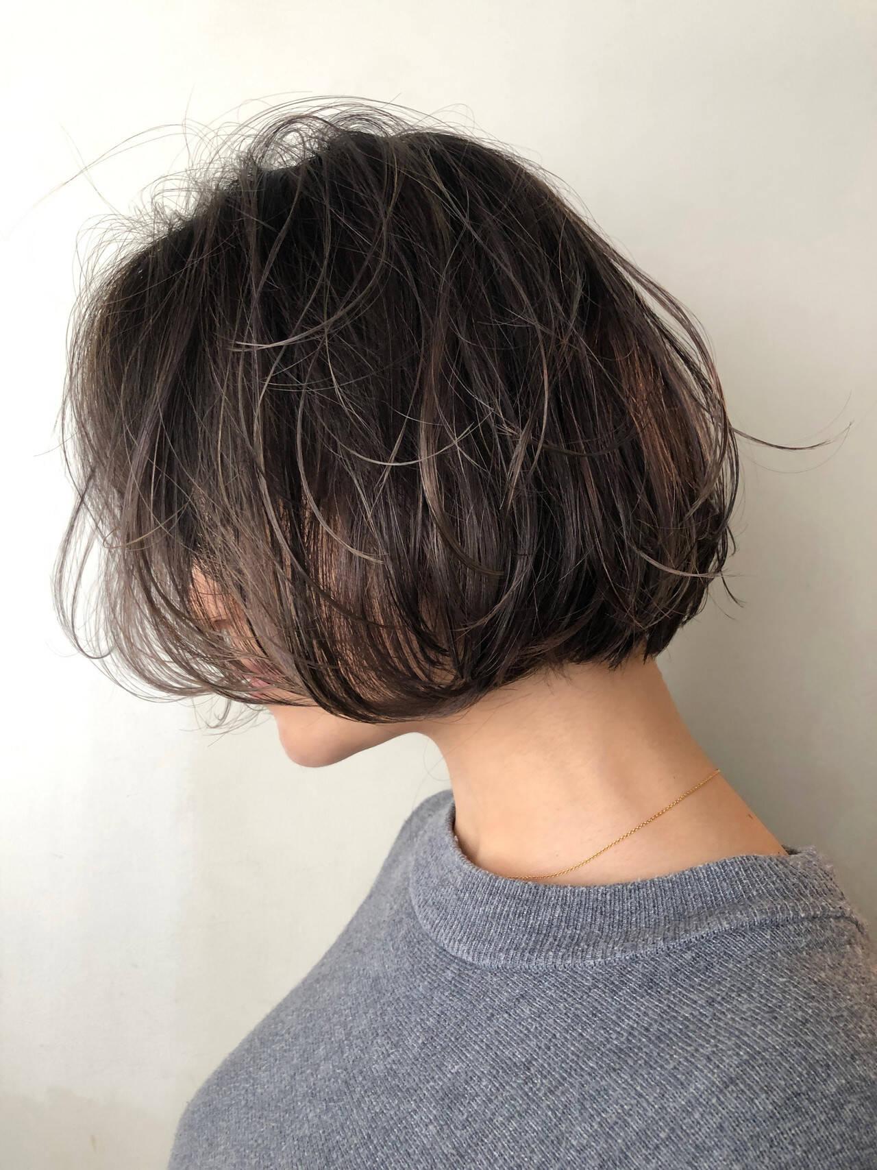 切りっぱなしボブ 極細ハイライト 大人ハイライト モードヘアスタイルや髪型の写真・画像