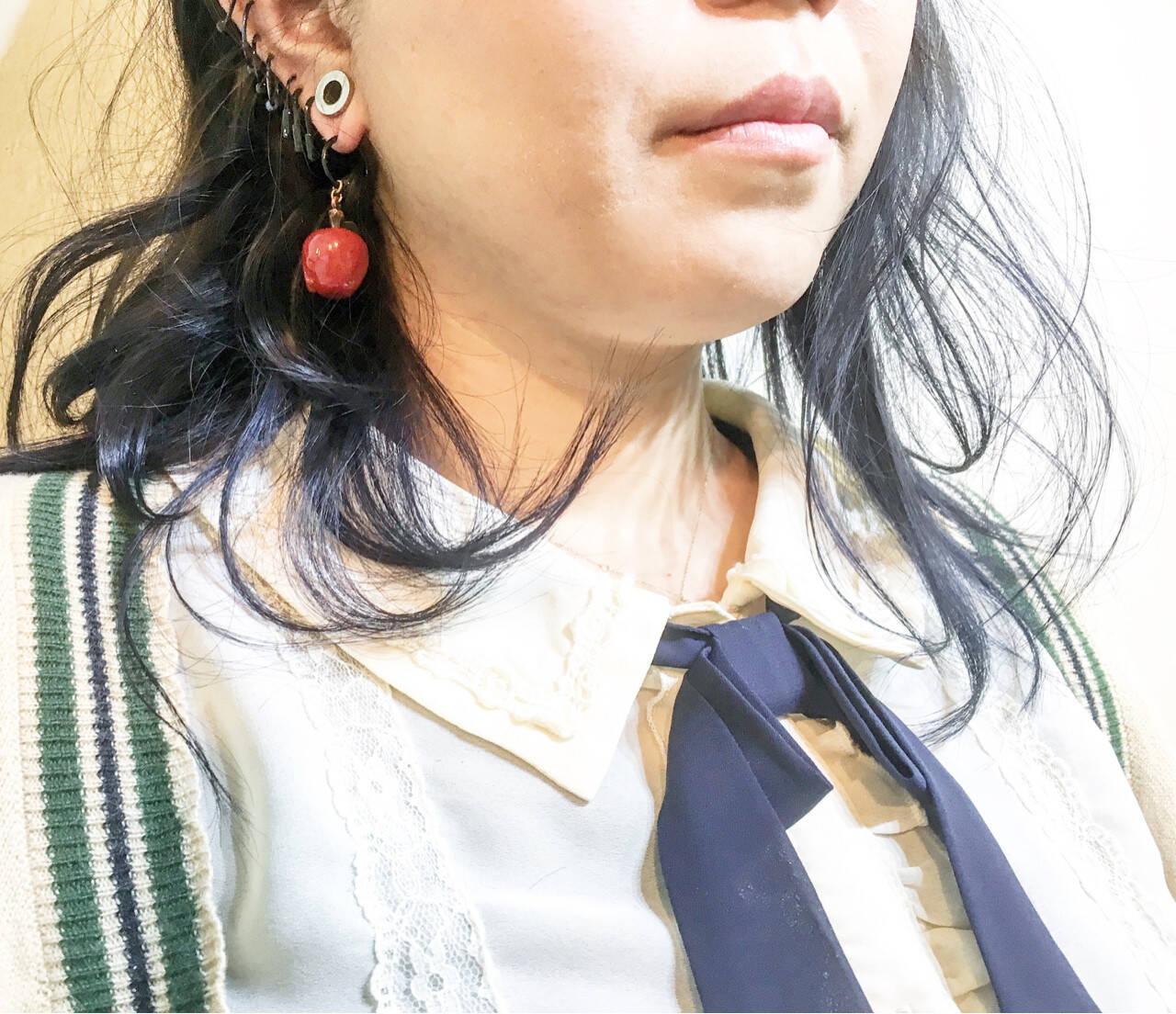 ハイトーン ボブ エアリー ストリートヘアスタイルや髪型の写真・画像