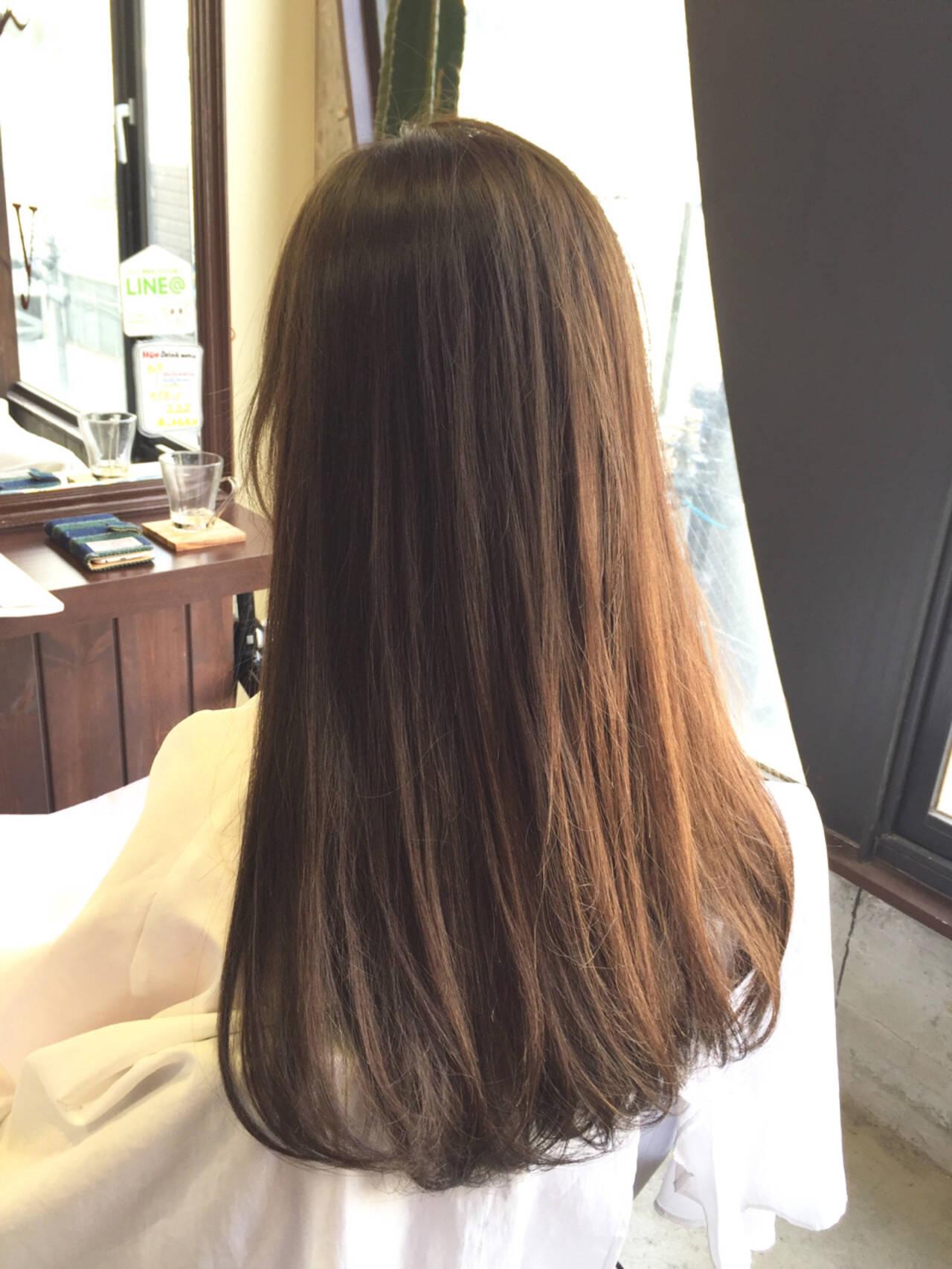 アッシュベージュ 外国人風 ロング グラデーションカラーヘアスタイルや髪型の写真・画像