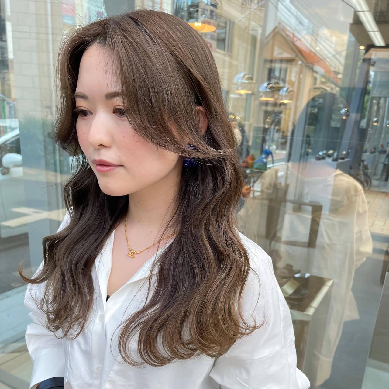 韓国ヘア 韓国風ヘアー ヨシンモリ ミルクティーベージュヘアスタイルや髪型の写真・画像
