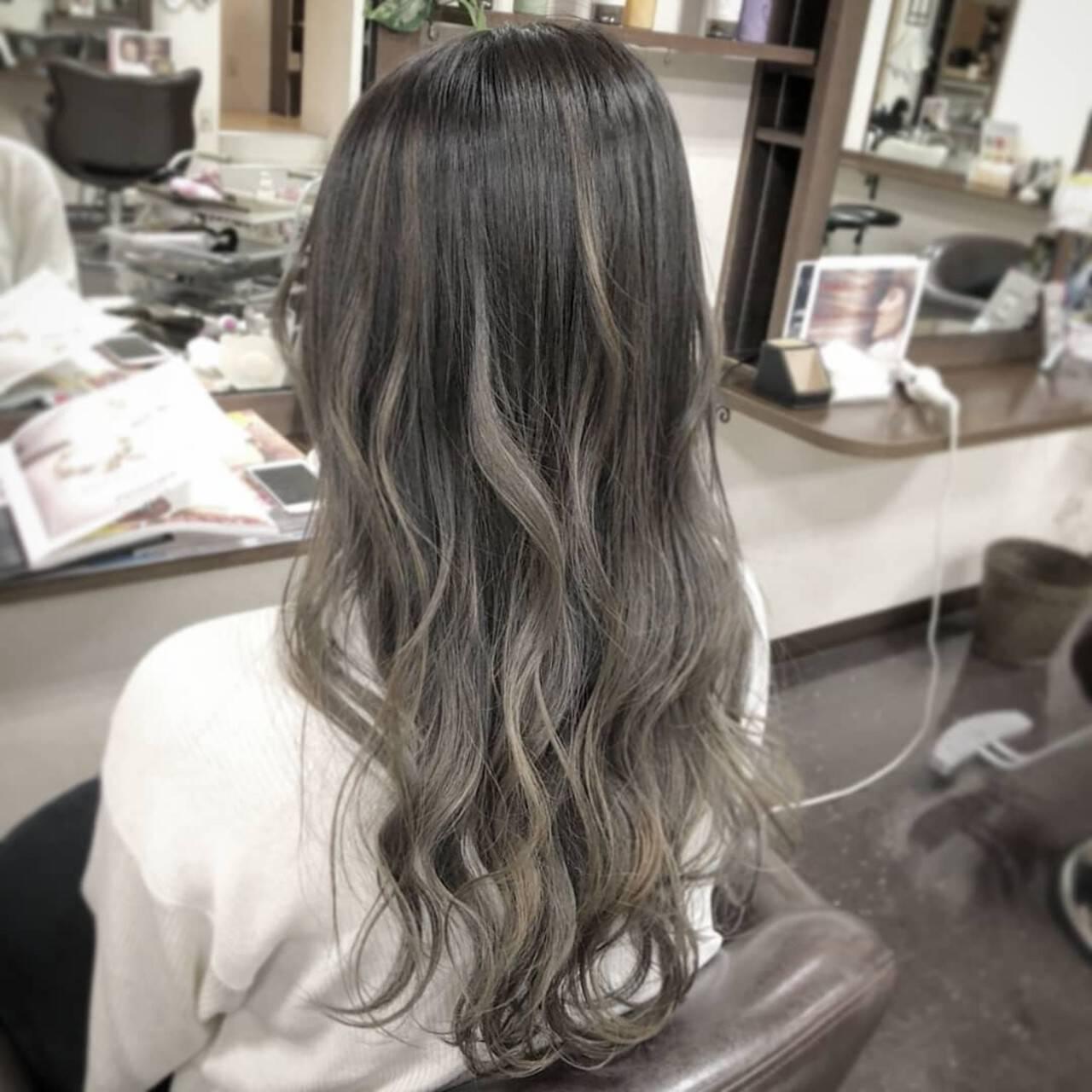 ダブルカラー エレガント ハイトーン グラデーションカラーヘアスタイルや髪型の写真・画像