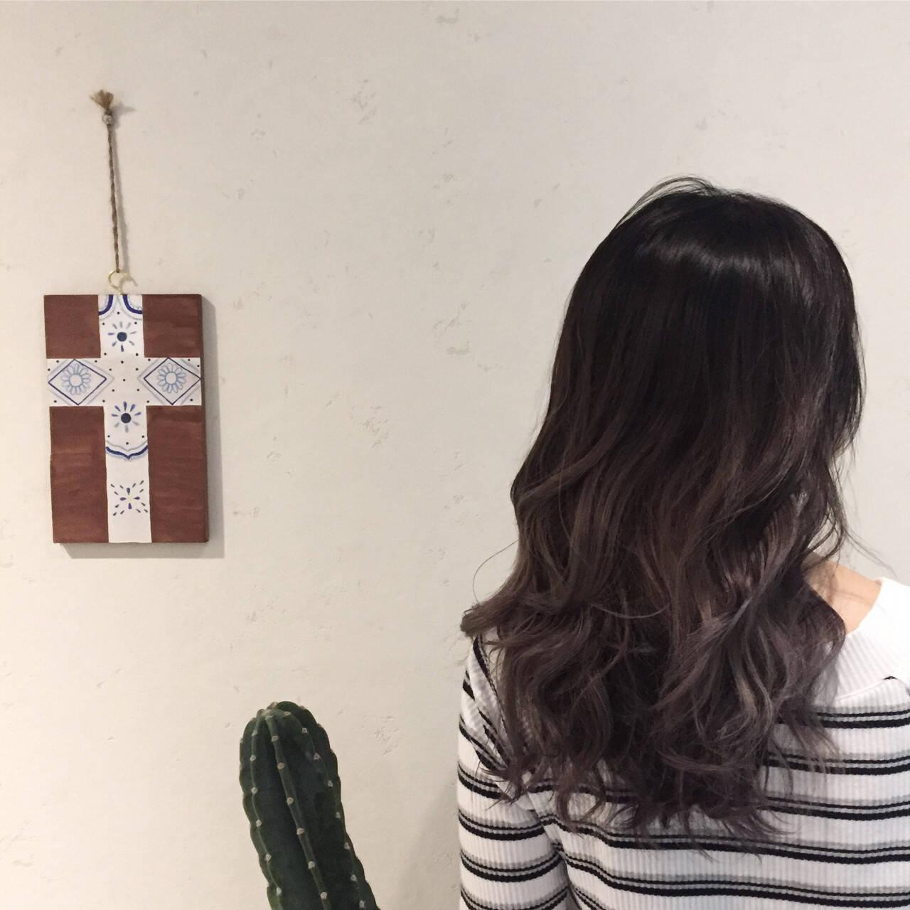 セミロング アウトドア ナチュラル 涼しげヘアスタイルや髪型の写真・画像