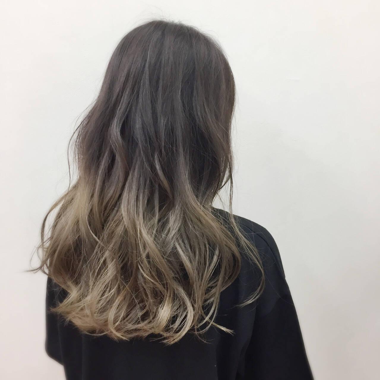 ブリーチ 外国人風カラー ロング アッシュヘアスタイルや髪型の写真・画像