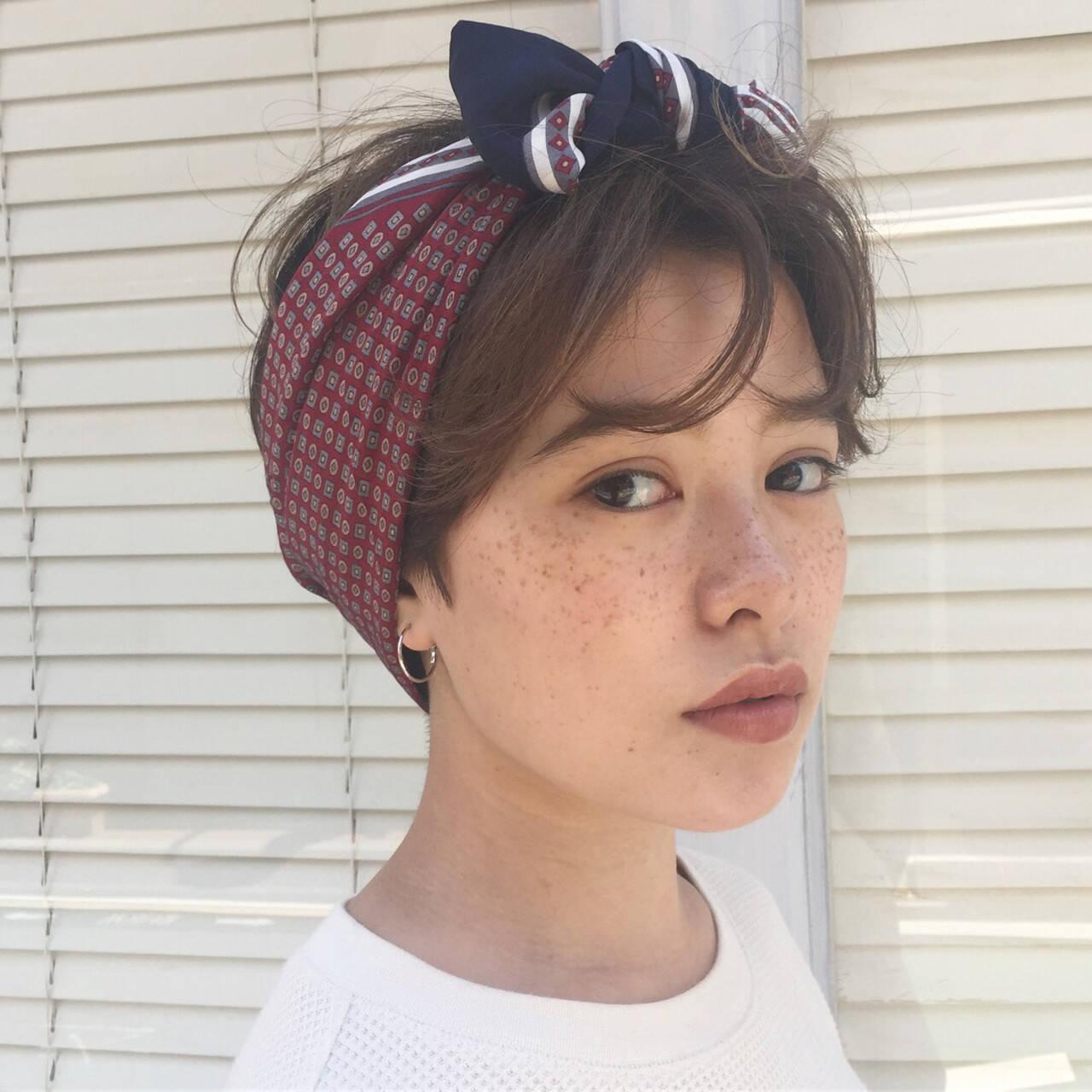 外国人風フェミニン ショート 簡単ヘアアレンジ デートヘアスタイルや髪型の写真・画像