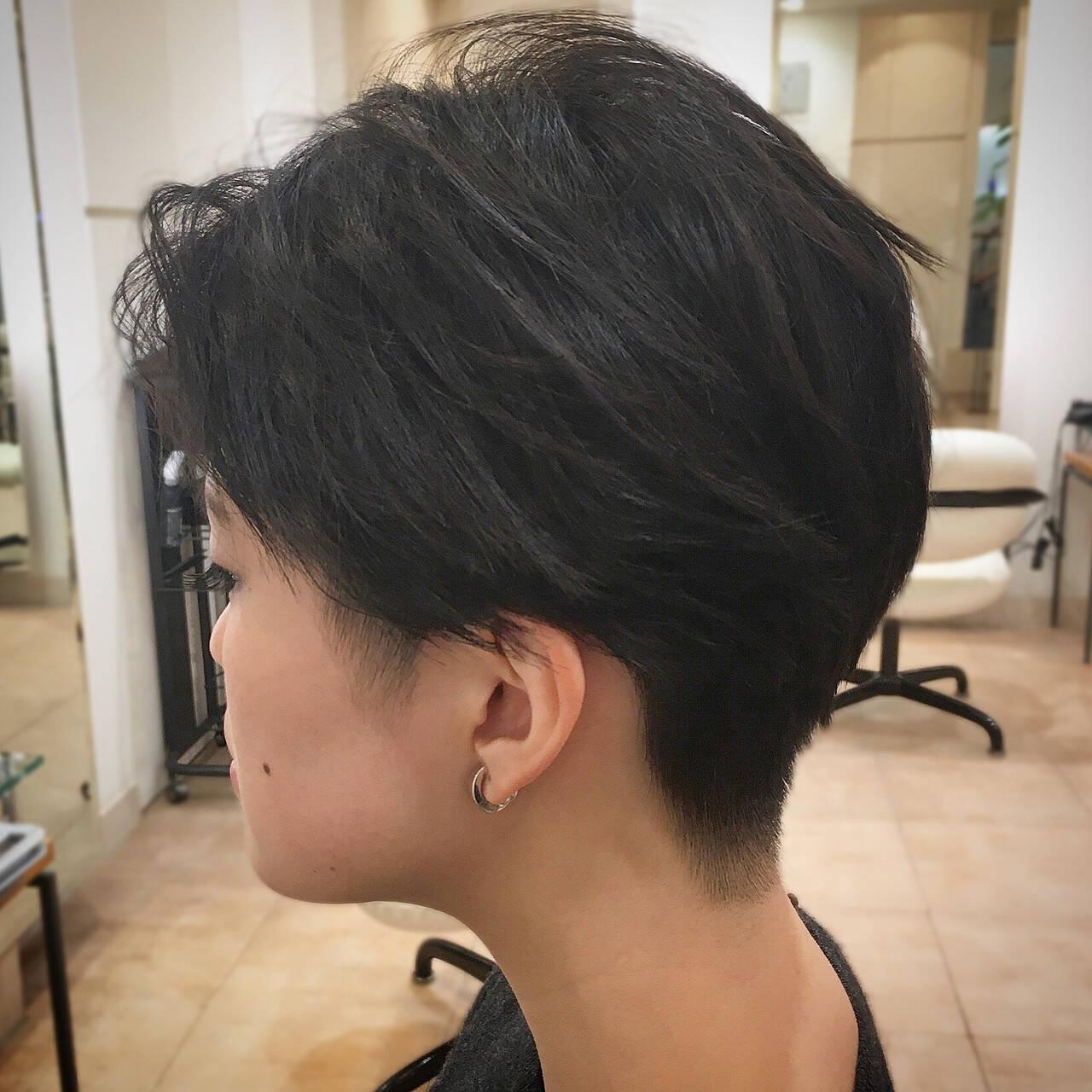 刈り上げ ツーブロック モード ショートヘアスタイルや髪型の写真・画像