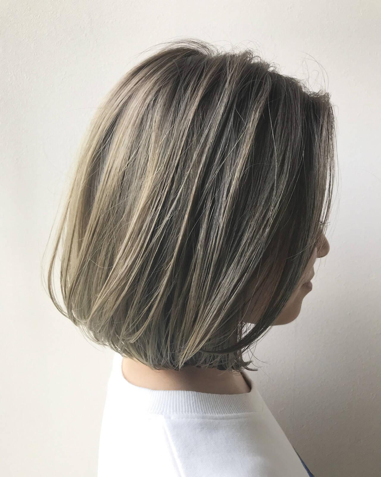ミニボブ ハイライト ボブ 透明感ヘアスタイルや髪型の写真・画像
