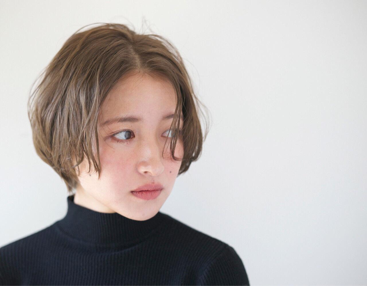 アッシュ リラックス 小顔 グレージュヘアスタイルや髪型の写真・画像