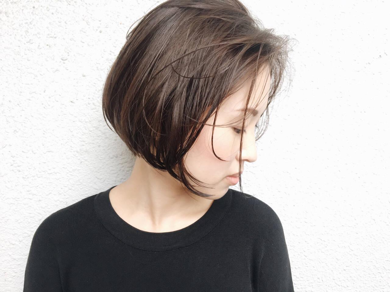 グレージュ ショート 暗髪 ショートボブヘアスタイルや髪型の写真・画像