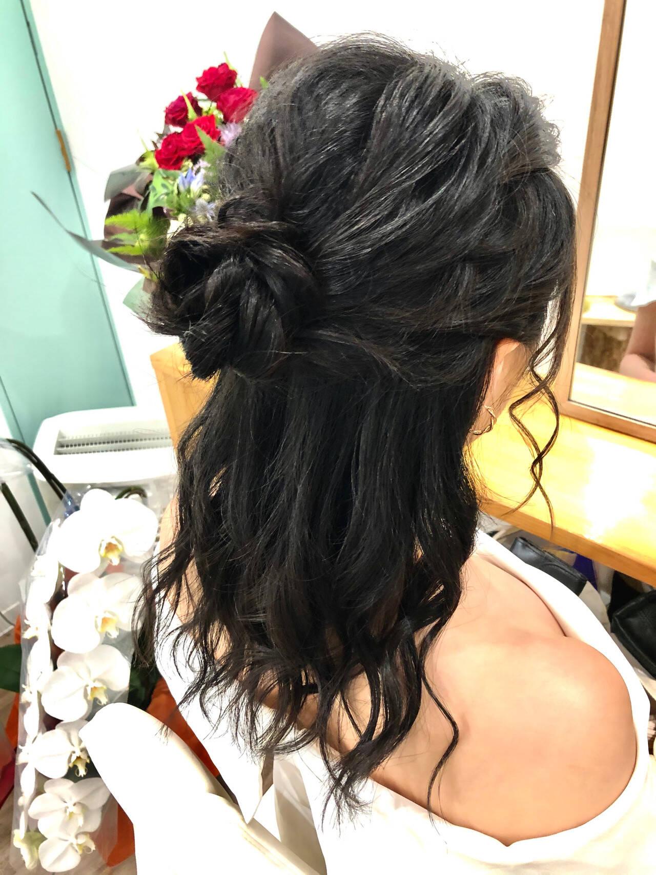 ハーフアップ ねじり ヘアアレンジ ヘアセットヘアスタイルや髪型の写真・画像